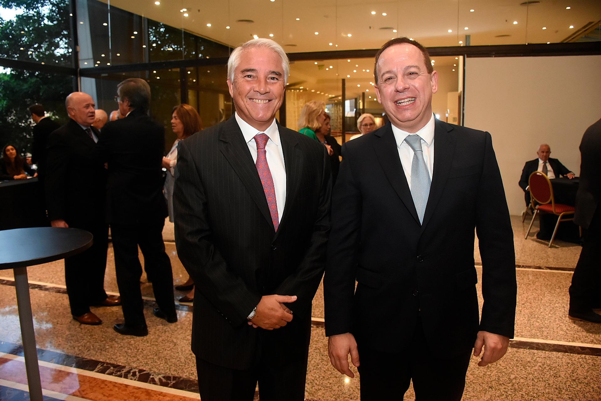 Pablo Deluca, director de Asuntos Institucionales de Infobae junto a Martín Etchevers