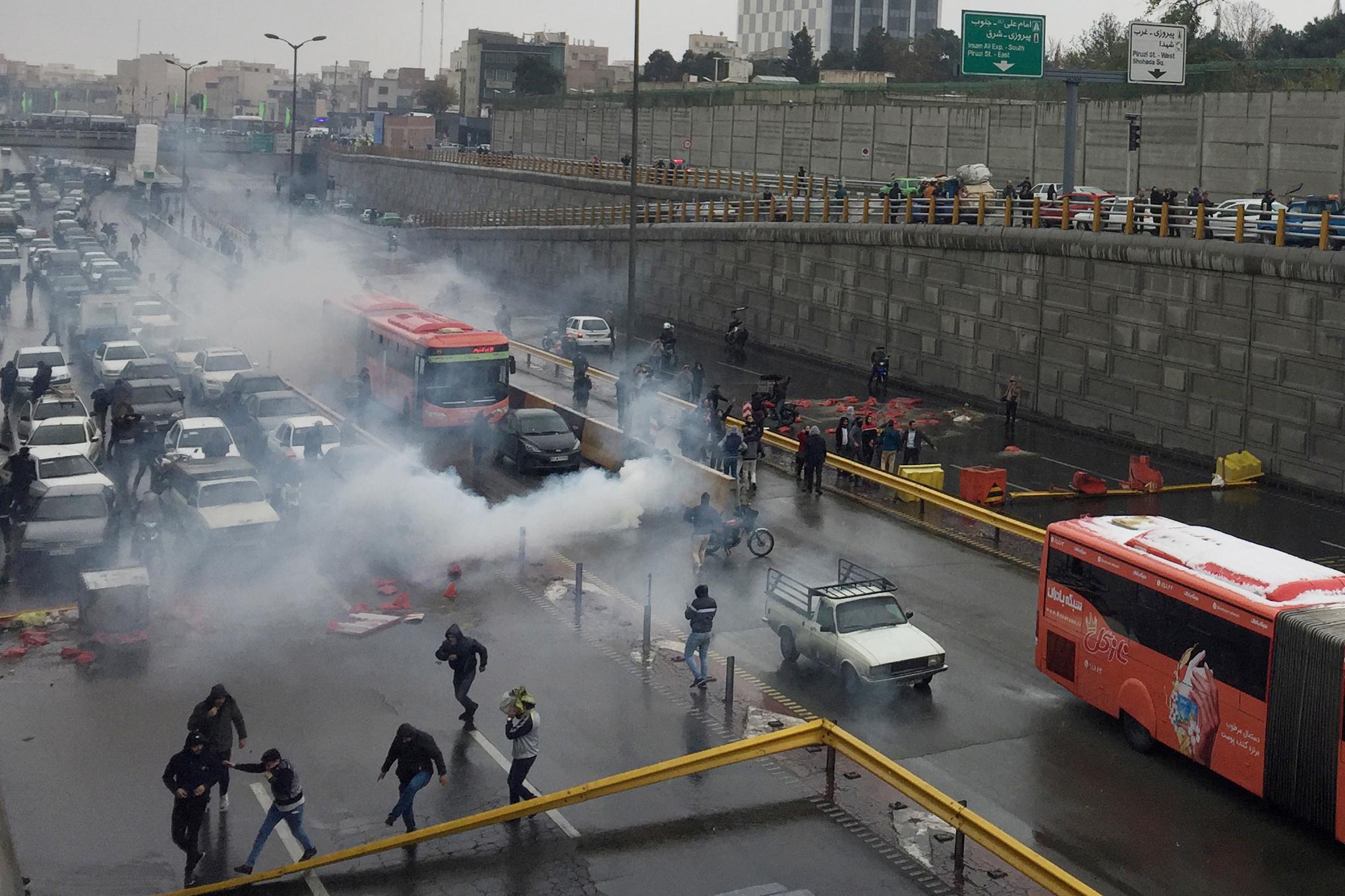 La policía iraní reprimió en Teherán