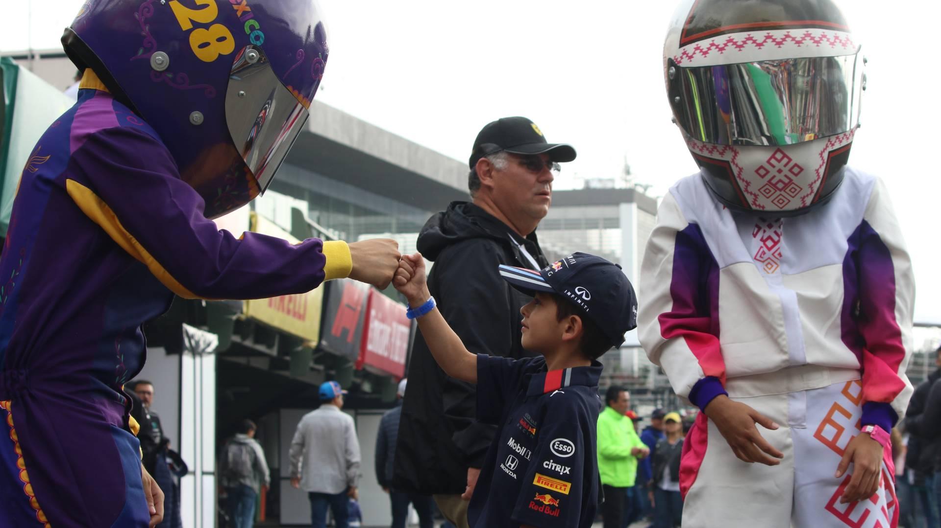 La ceremonia de premiación del Gran Premio de México es única en el calendario de la Fórmula 1 porque se lleva a cabo en el Foro Sol ante más 35 mil personas (Foto: Cuartoscuro)