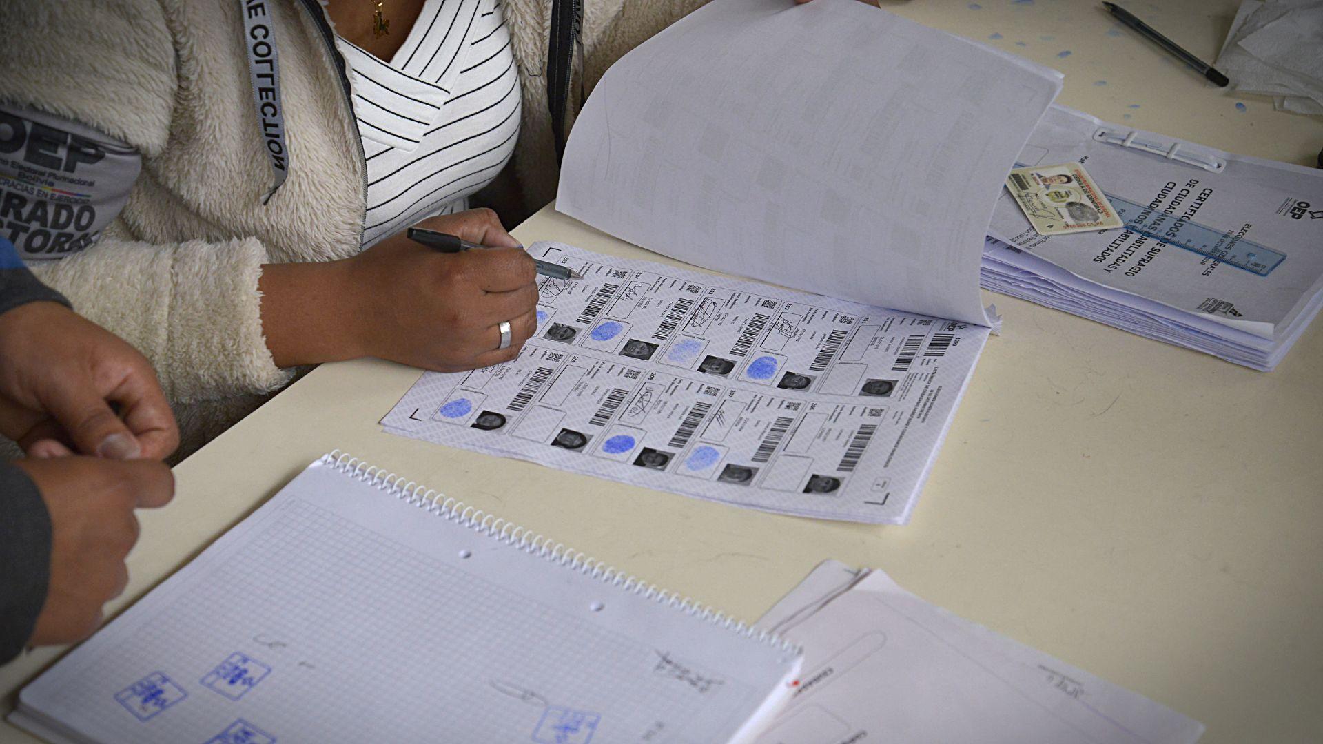 Según informaron desde el Organo Electoral Plurinacional Boliviano, cada elección aumenta significativamente el número de electores y de mesas habilitadas, ya que a medida que los jóvenes cumplen la mayoría de edad se empadronan para tener la posibilidad de ejercer el derecho al voto.