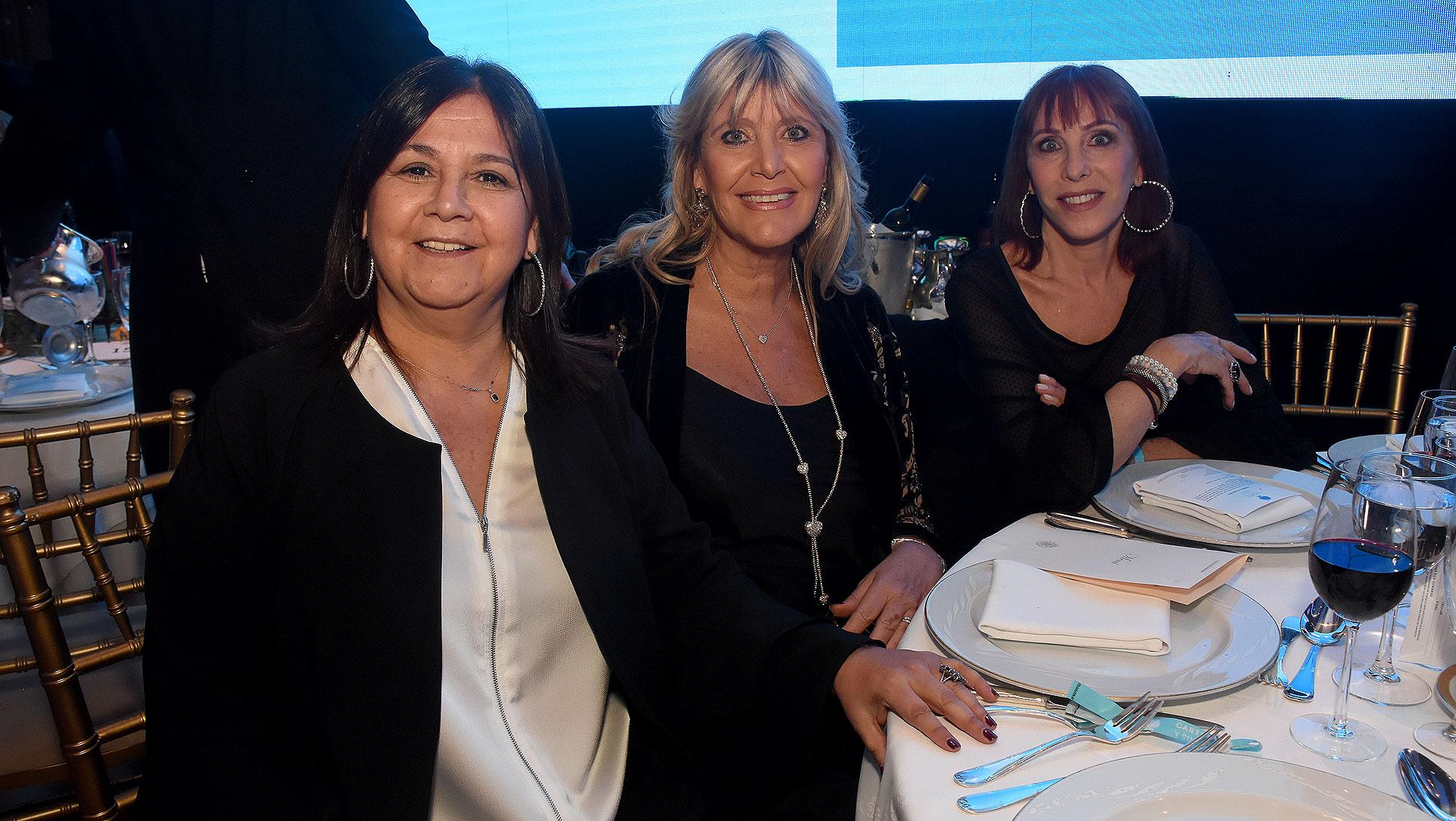 Carolina Van Esso, Marcela Gotlib y María Laura Visuara