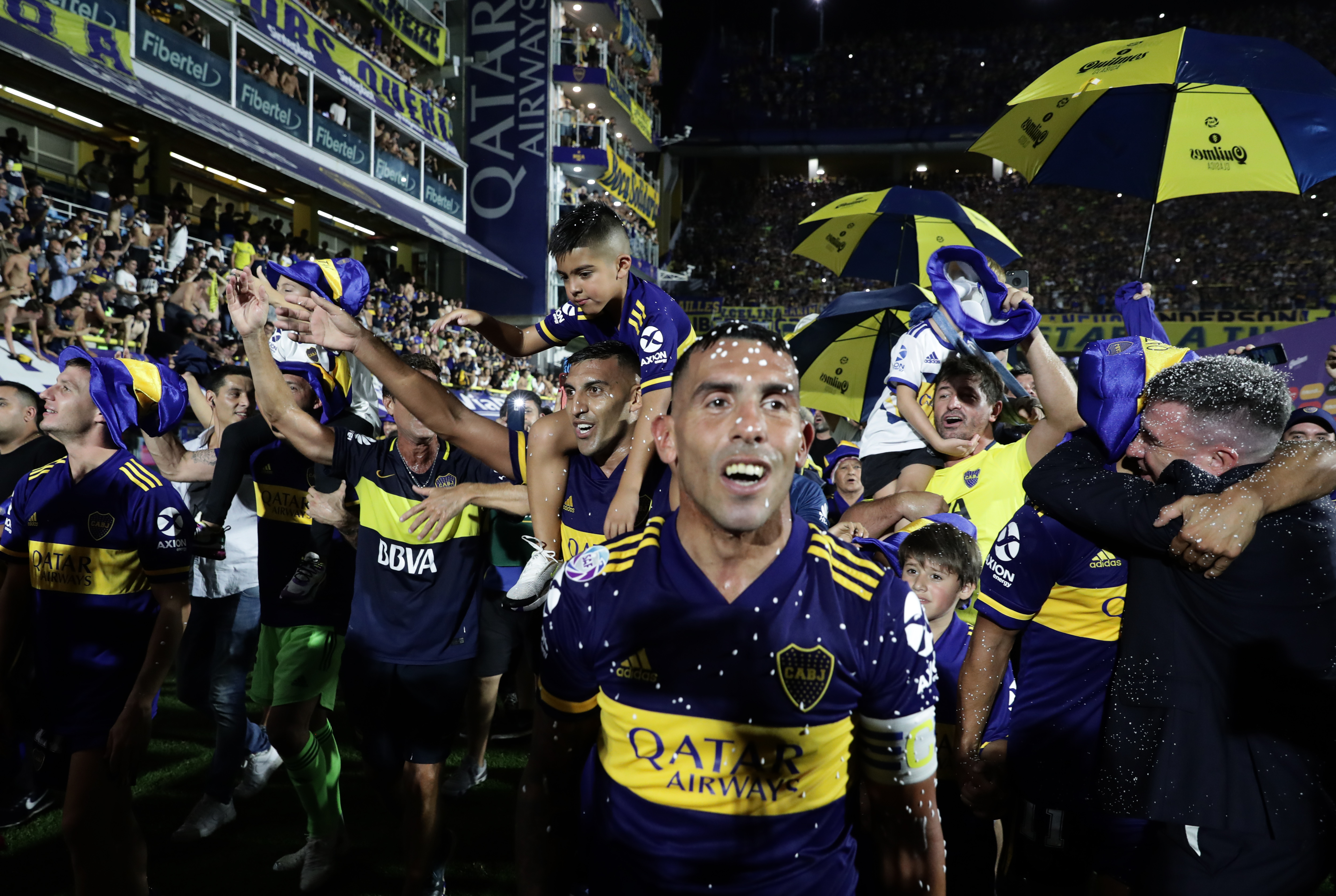 Carlitos Tevez, héroe y figura xeneize (Foto: AFP)