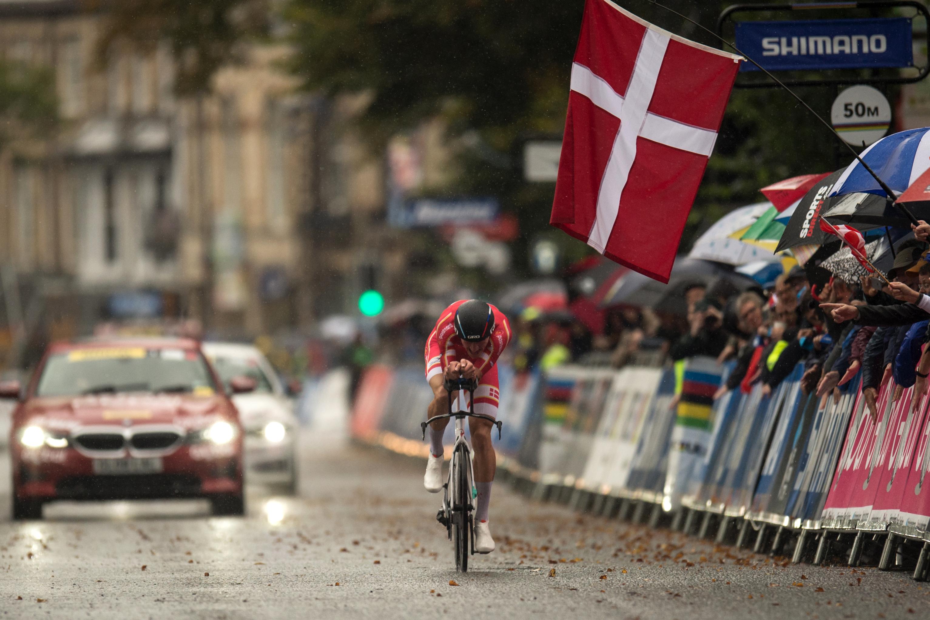 El ecuatoriano Richard Carapaz, ganador del último Giro de Italia, y el colombiano Nairo Quintana también dijeron adiós, como el reciente vencedor de la Vuelta a España, el esloveno Primoz Roglic