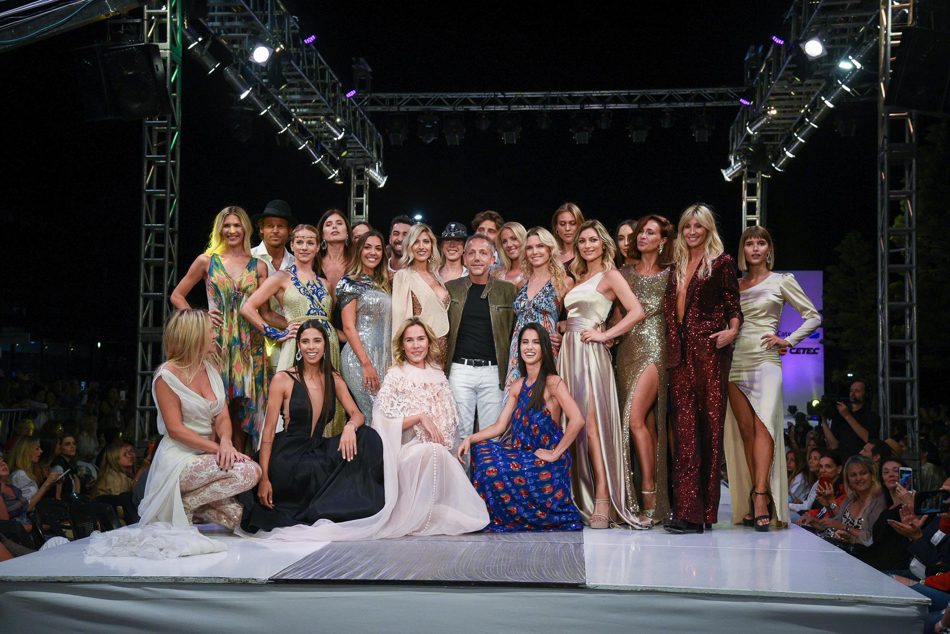 El show llegó a su fin con toda la creatividad de los diseñadores en la pasarela. Más de 60 modelos lucieron prendas y accesorios de 30 marcas en la pasarela para despedir y agradecer a los invitados