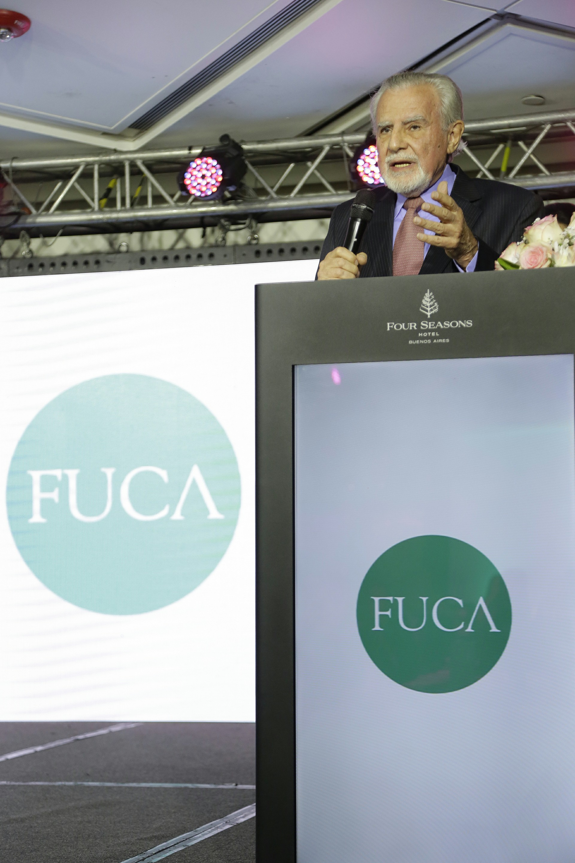 """El Dr. José Mordoh, vicepresidente de FUCA y Director del Centro de Investigaciones Oncológicas - C.I.O. de la Fundación, se refirió a los avances científicos logrados en los últimos años en el ámbito de la inmunología con relación al cáncer, en tratamientos que logran """"enseñar"""" al propio sistema inmune del paciente a combatir el tumor"""