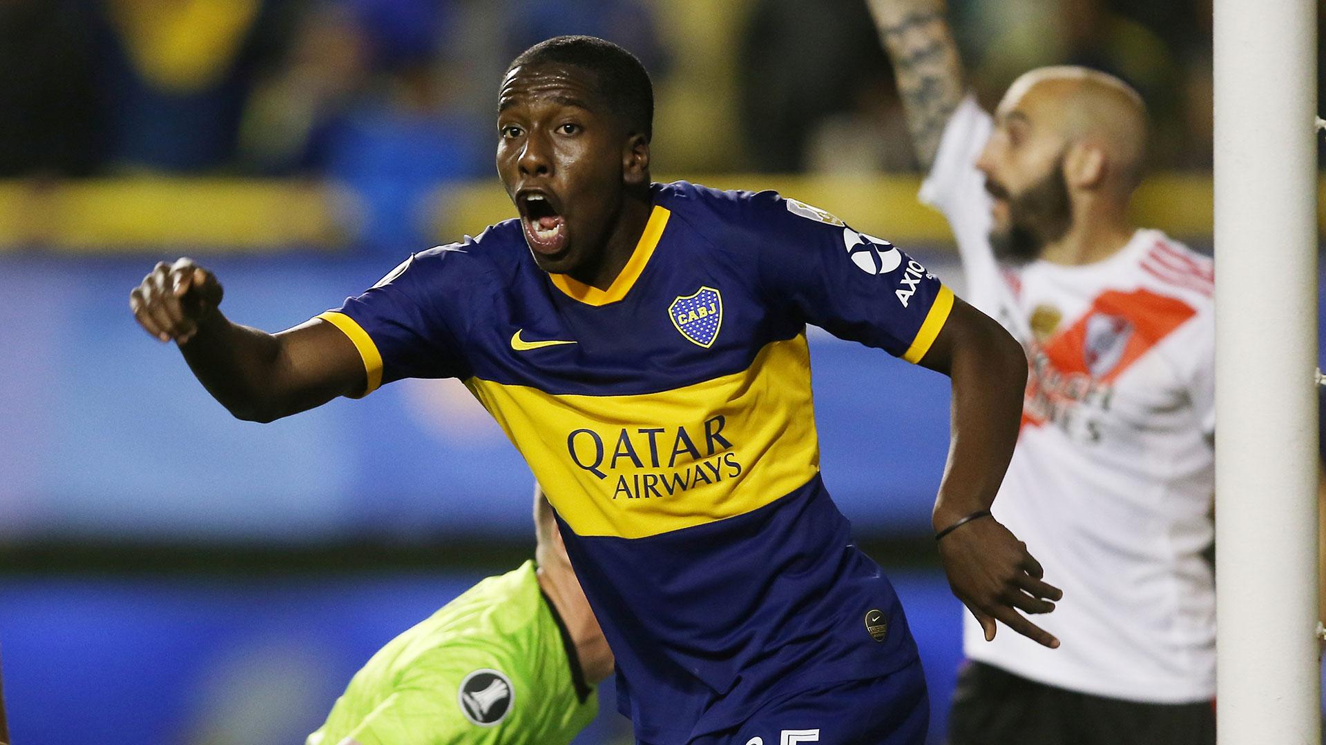 Hurtado, que ingresó por Wanchope, le dio esperanza a Boca con su gol a los 35 minutos del segundo tiempo