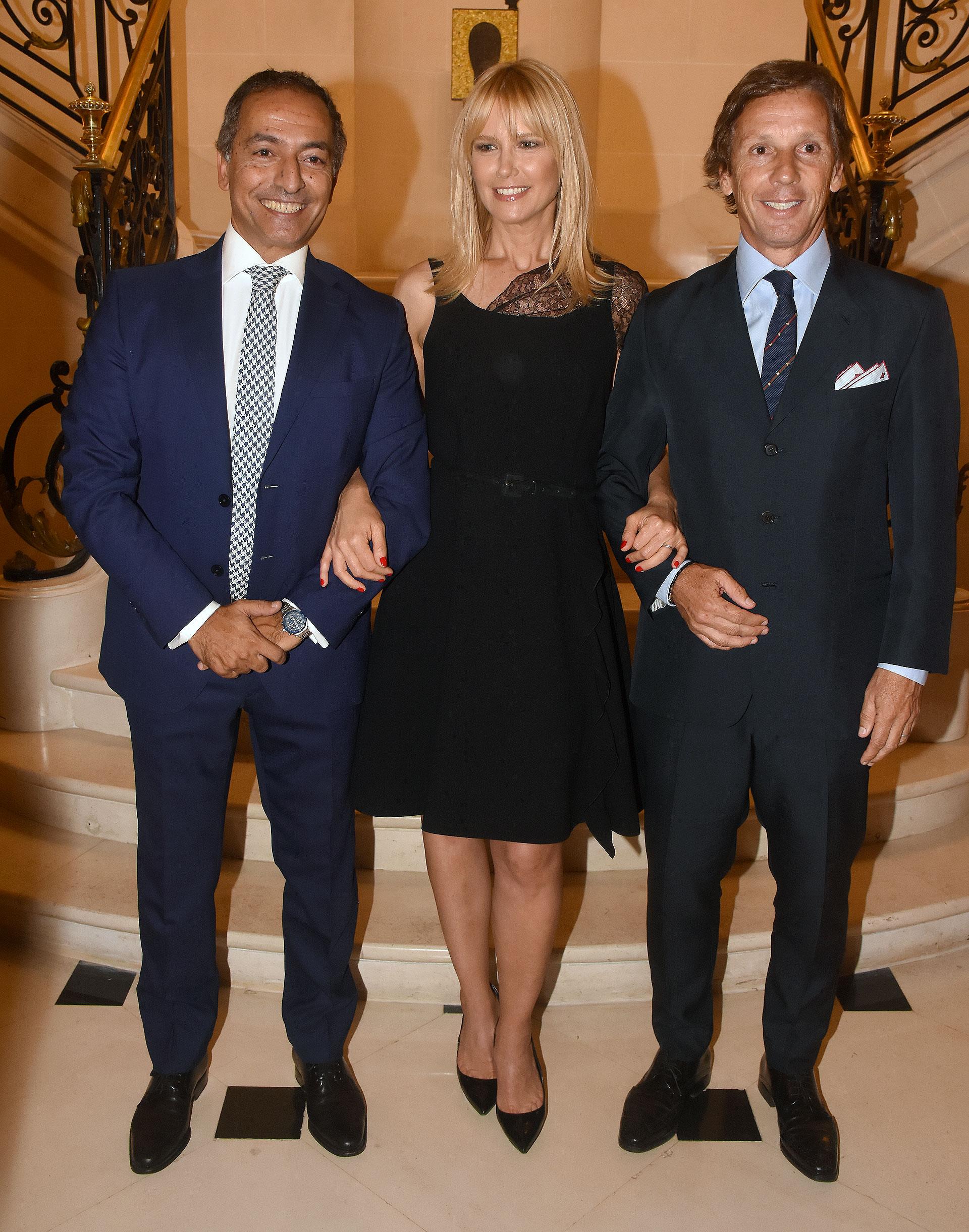El embajador de Portugal en la Argentina, João Ribeiro de Almeida, junto a Valeria Mazza y Alejando Gravier