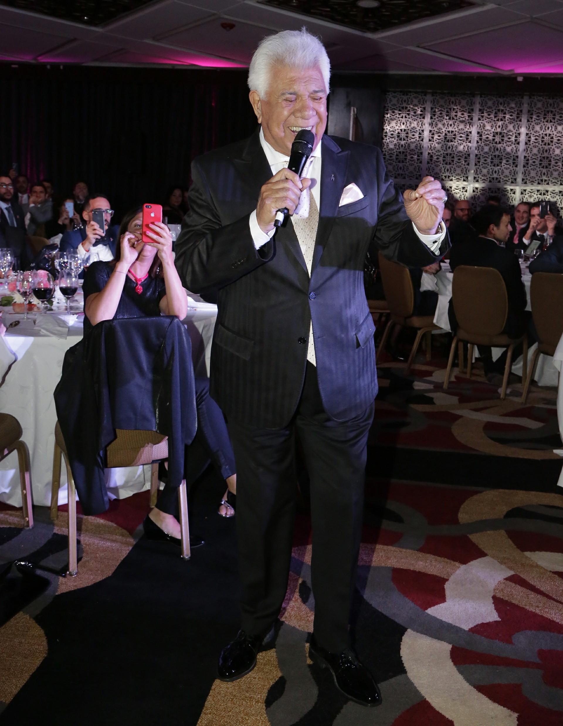 Los invitados disfrutaron del show de Raúl Lavie