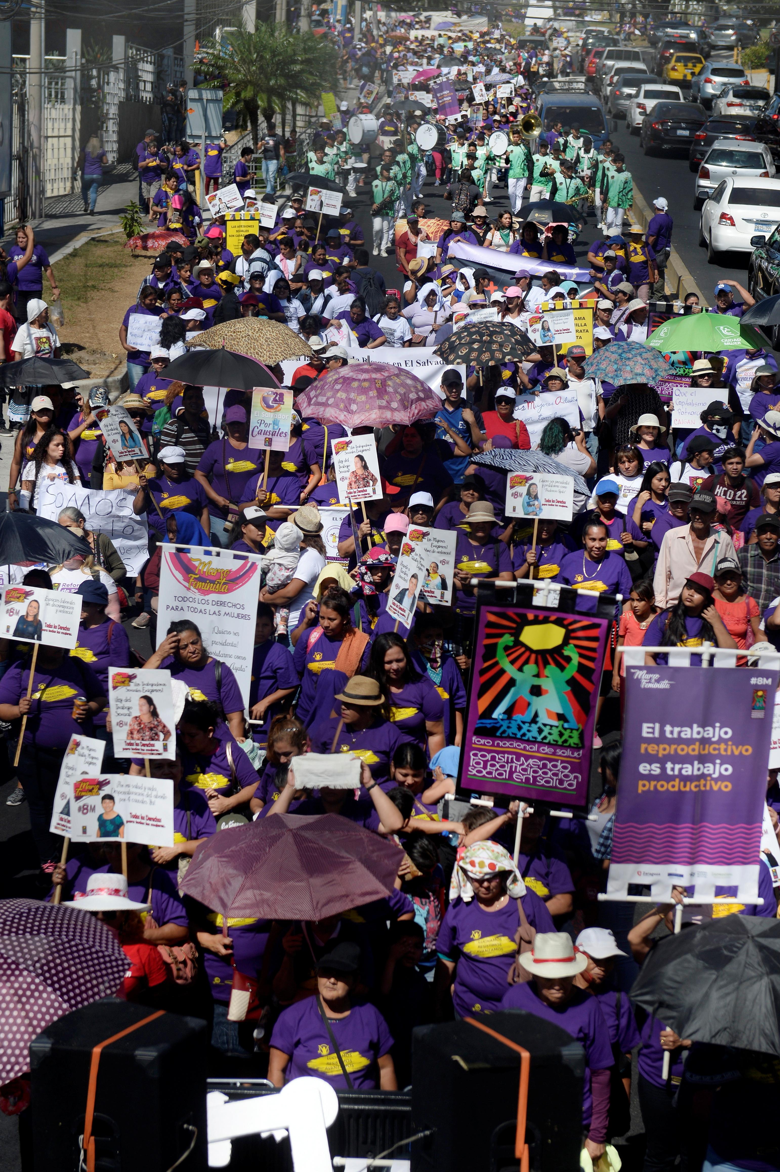 El Día de la Mujer en San Salvador, El Salvador (REUTERS/Jessica Orellana)