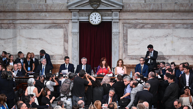 En este primero de marzo, Alberto Fernández habló durante una hora y 19 minutos. Comenzó su discurso un minuto después de las doce del mediodía y lo terminó a las 13:20