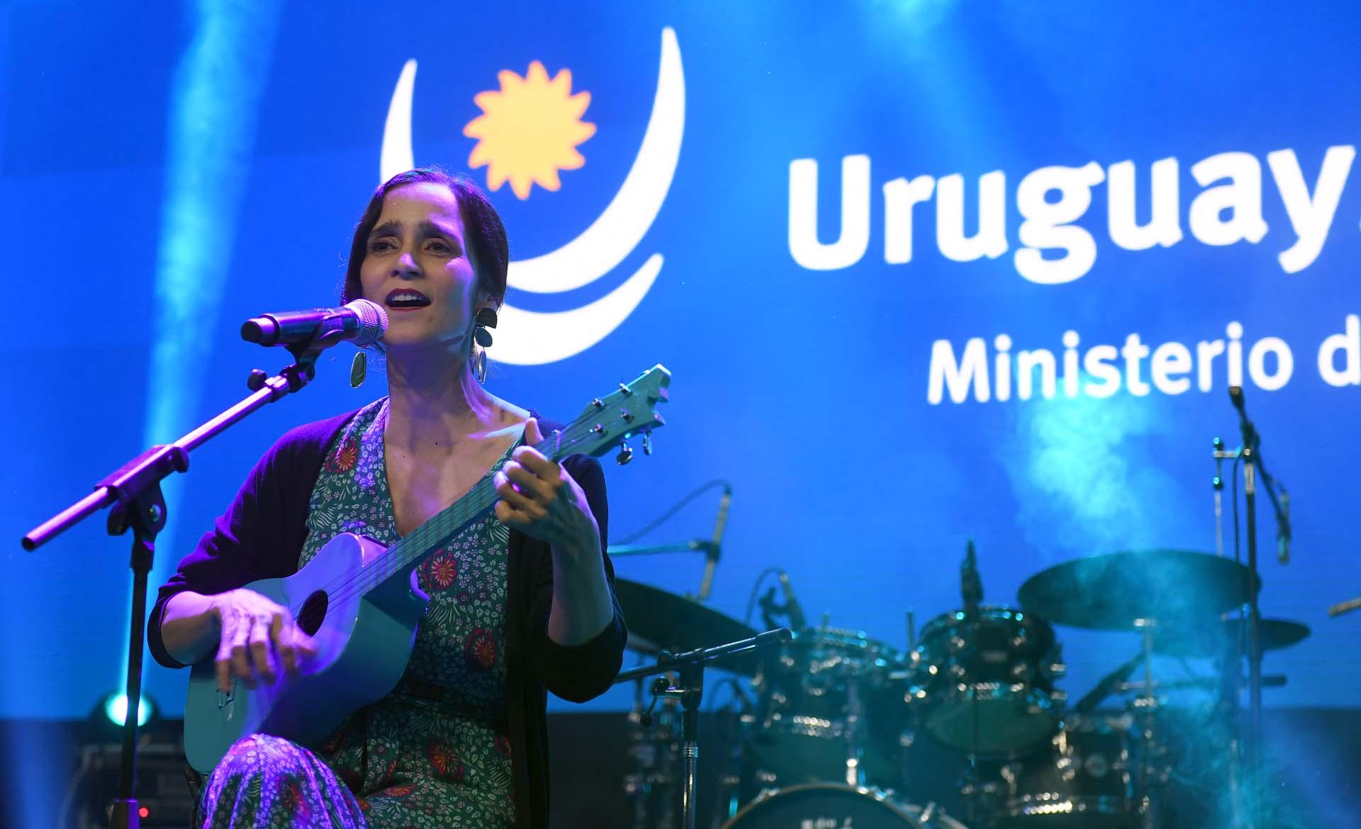Julieta Venegas, quien ha mostrado en reiteradas oportunidades ser una apasionada por Uruguay, durante su presentación