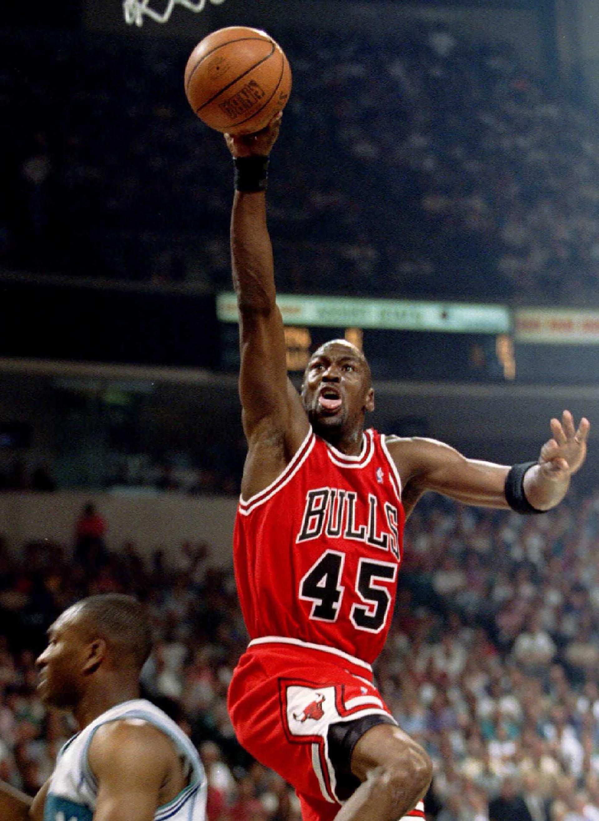 """auxiliar Mendigar Perla  I'm back"""", a 25 años del épico regreso de Michael Jordan a la NBA: su  frustrado paso por el béisbol tras la muerte de su padre y el impacto de  jugar con"""