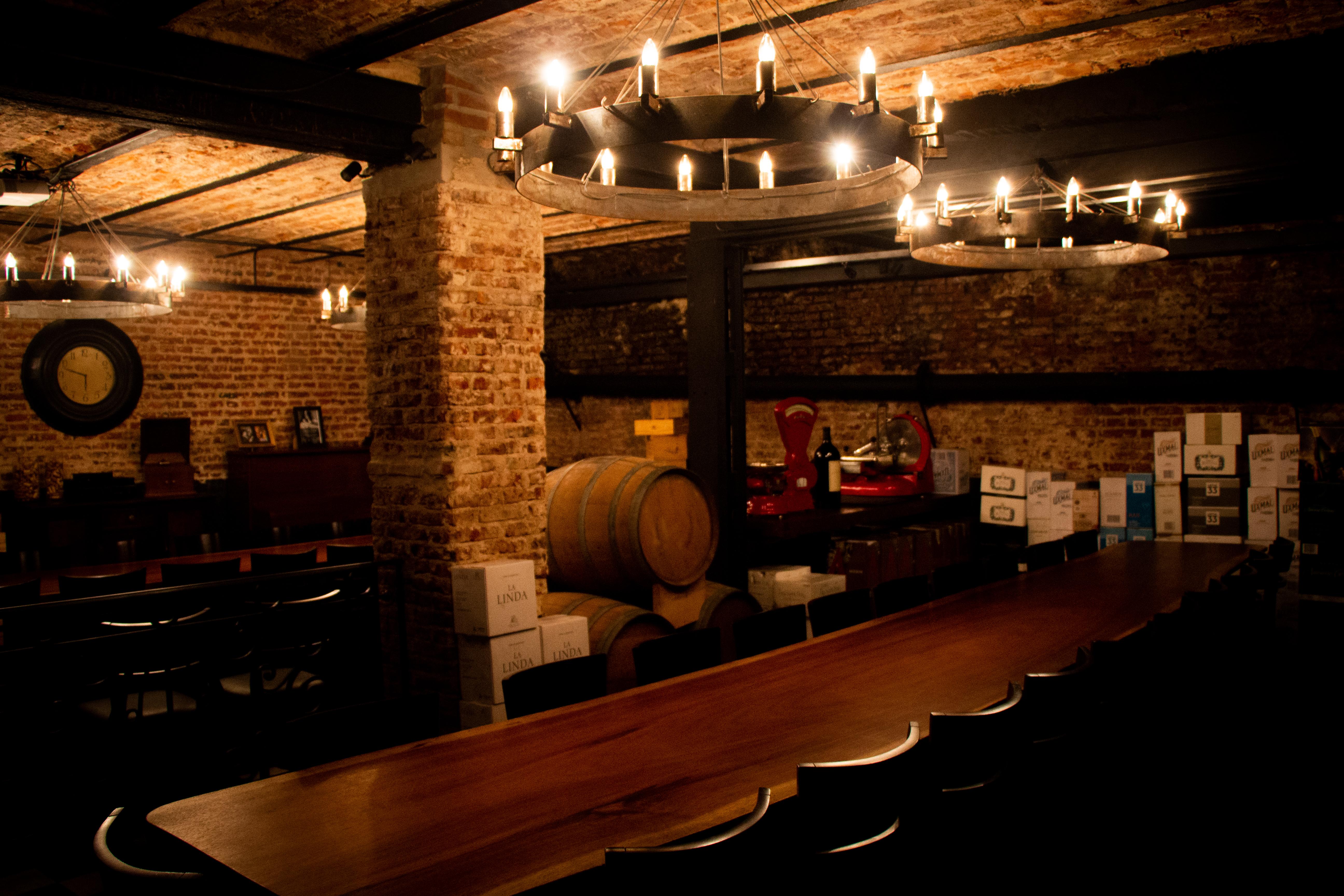 Este lugar singular de Buenos Aires se caracteriza por un ambiente agradable y buena comida, con una carta de menú española y bien porteña a la vez