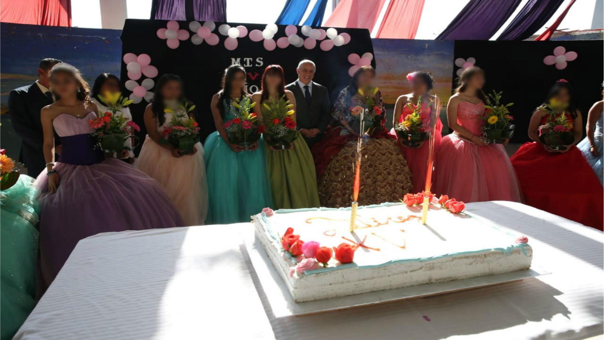 El evento concluyó con la partida de pastel, aportación de la Subsecretaría (Foto: especial)