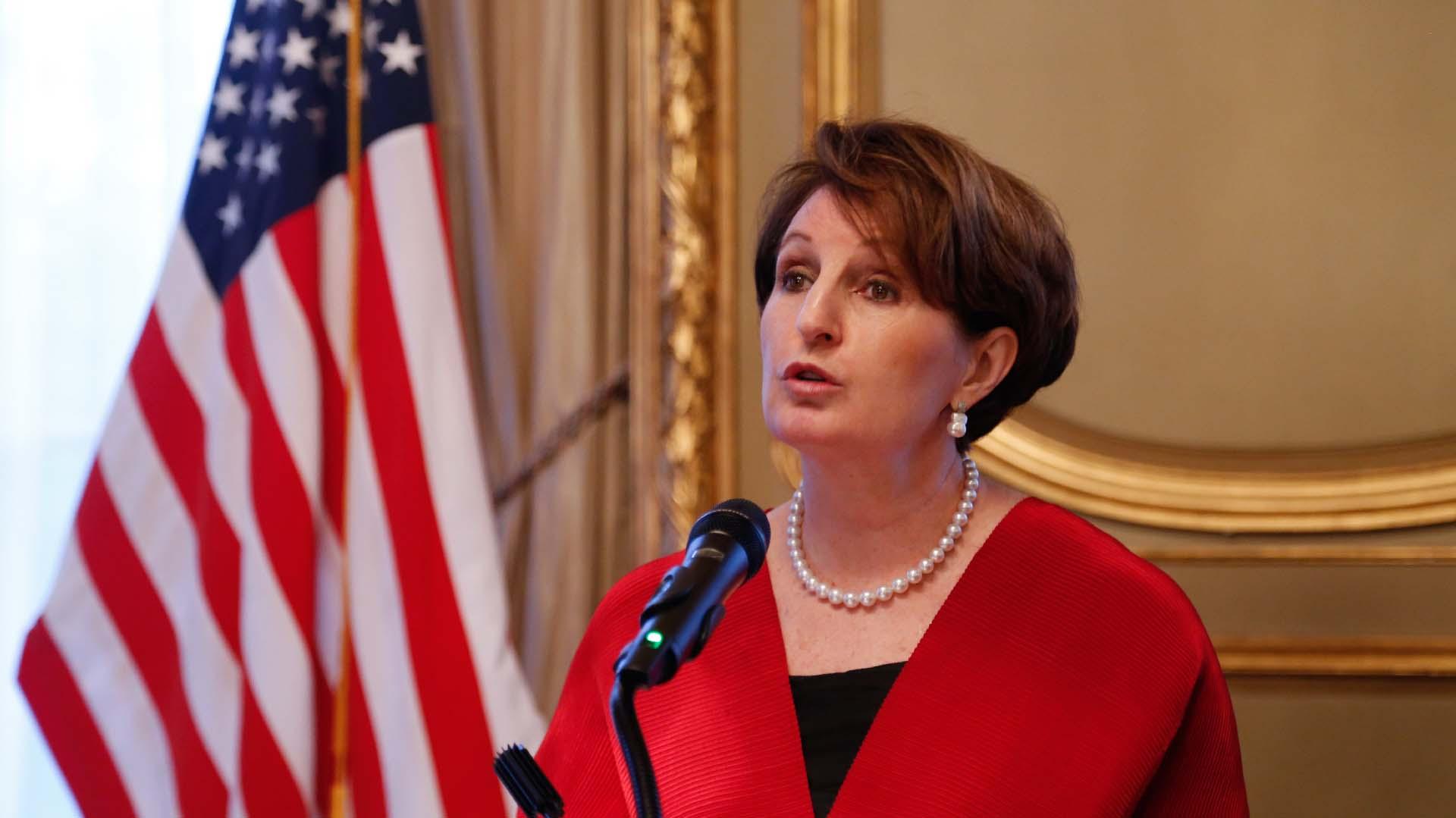 MaryKay Carlson, encargada de Negocios Interina de la embajada de los Estados Unidos en la Argentina