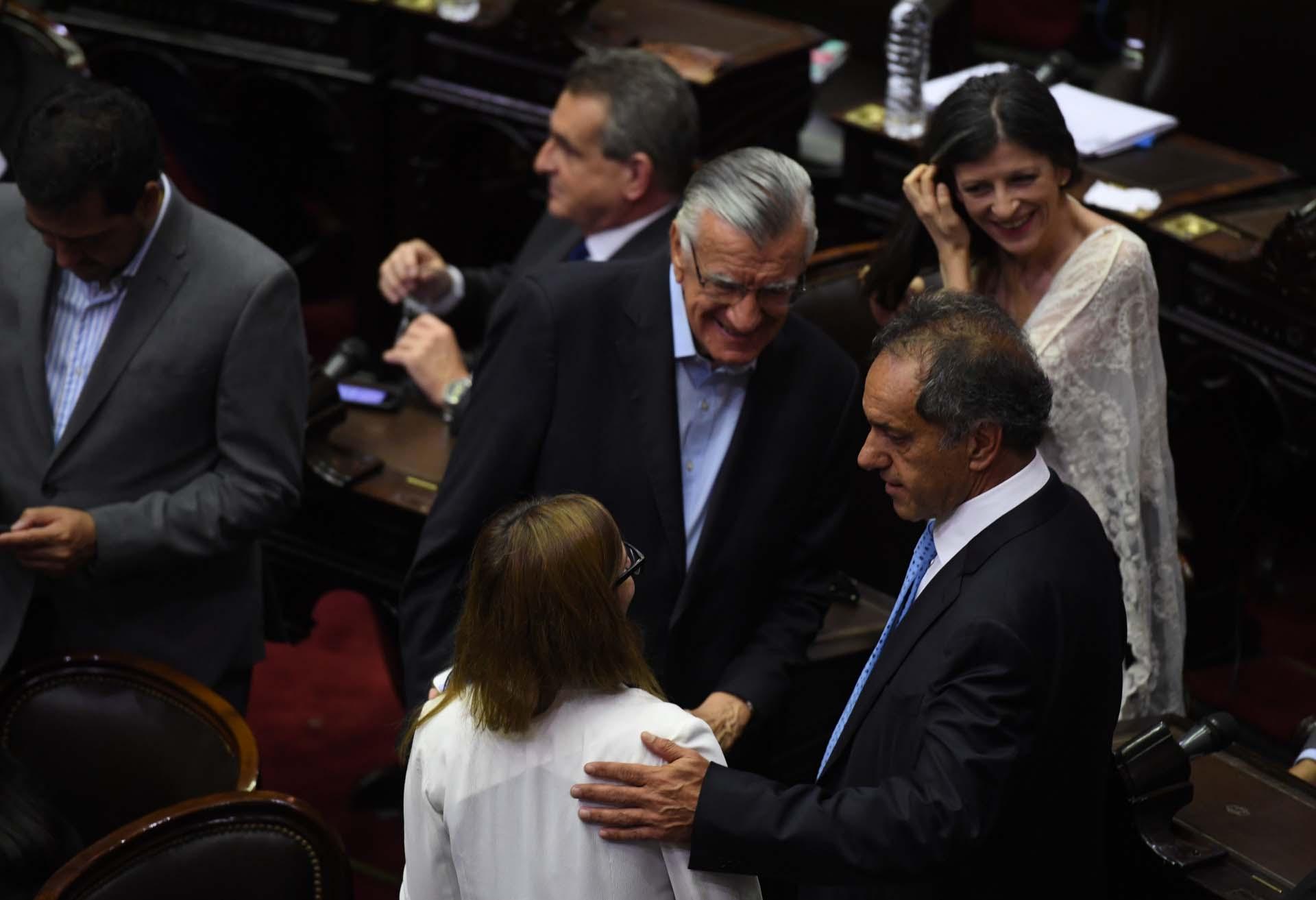 Fernanda Vallejos, José Luis Gioja, Daniel Scioli
