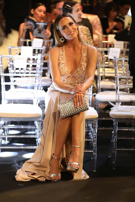 Soledad Villarreal se animó a un vestido que mezcló la sensualidad con la distinción. Cosano eligió el nude para realizar un diseño de corte sirena con un gran tajo y bordado con cristales. ¿Tenía una preferida para esa noche?