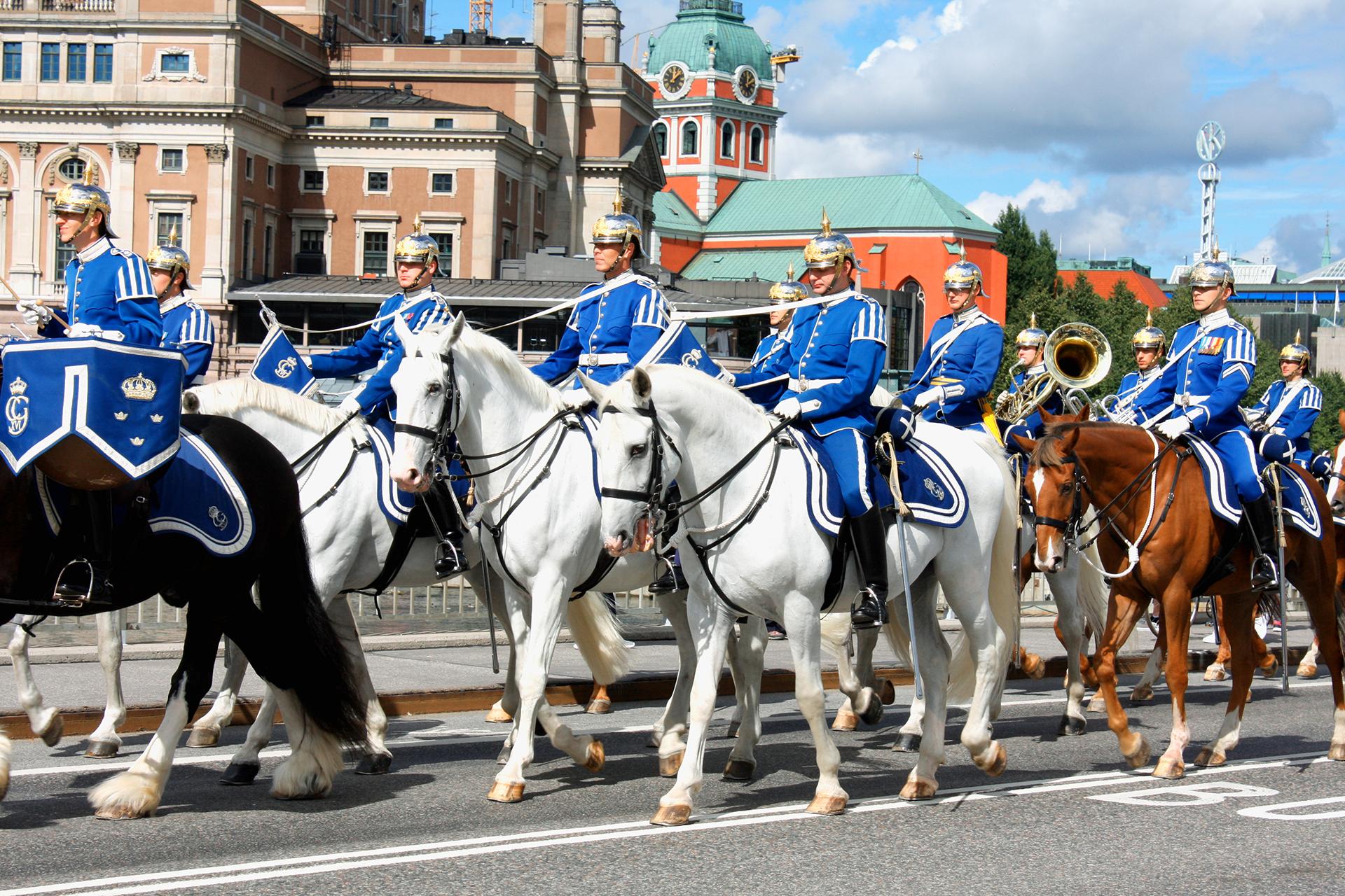 El cambio de la guardia que se celebra en la explanada situada frente al edificio y congrega cada año a miles de visitantes