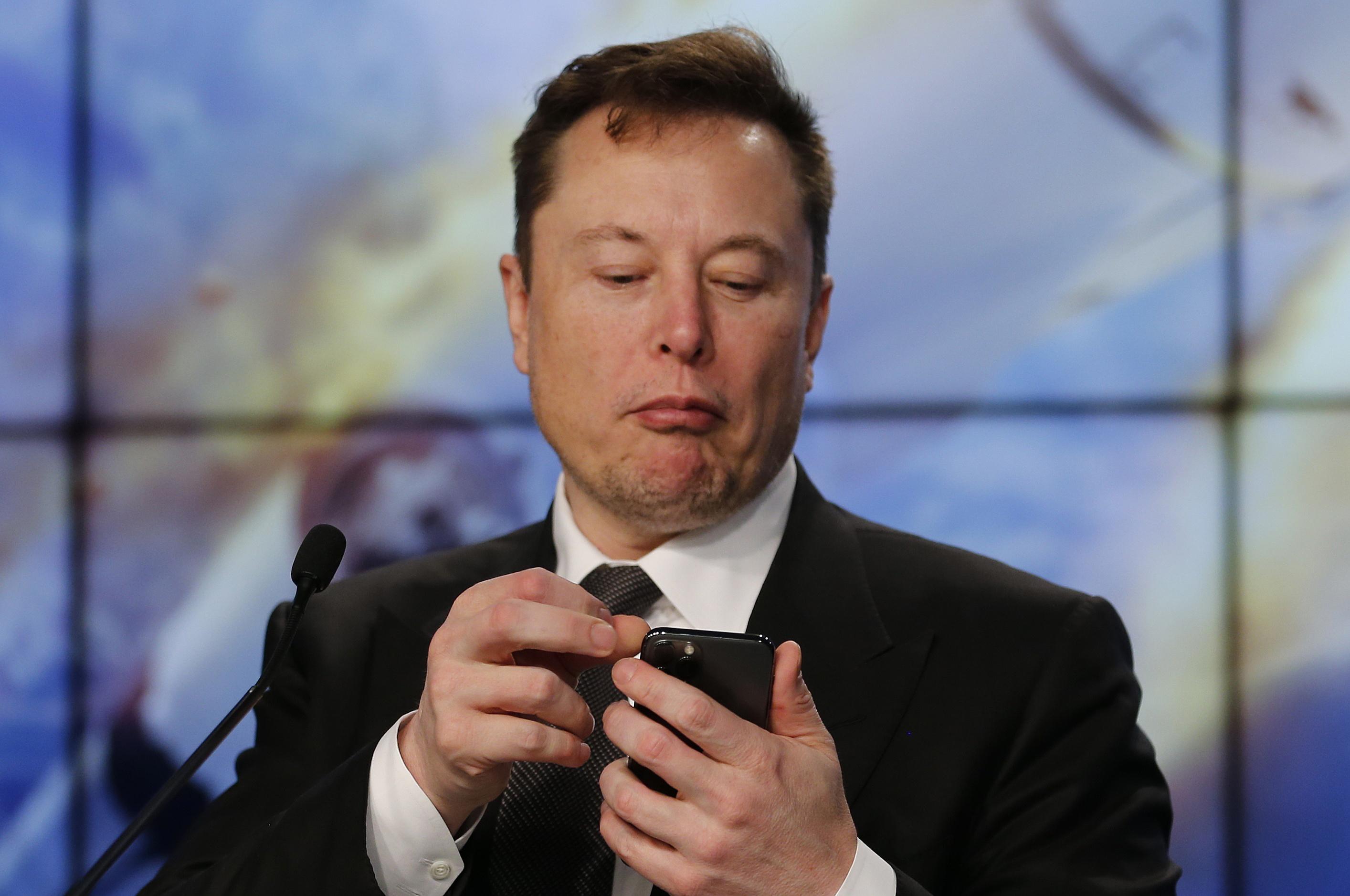 Elon Musk contra cuarentena y pide reactivar la economía de Estados Unidos