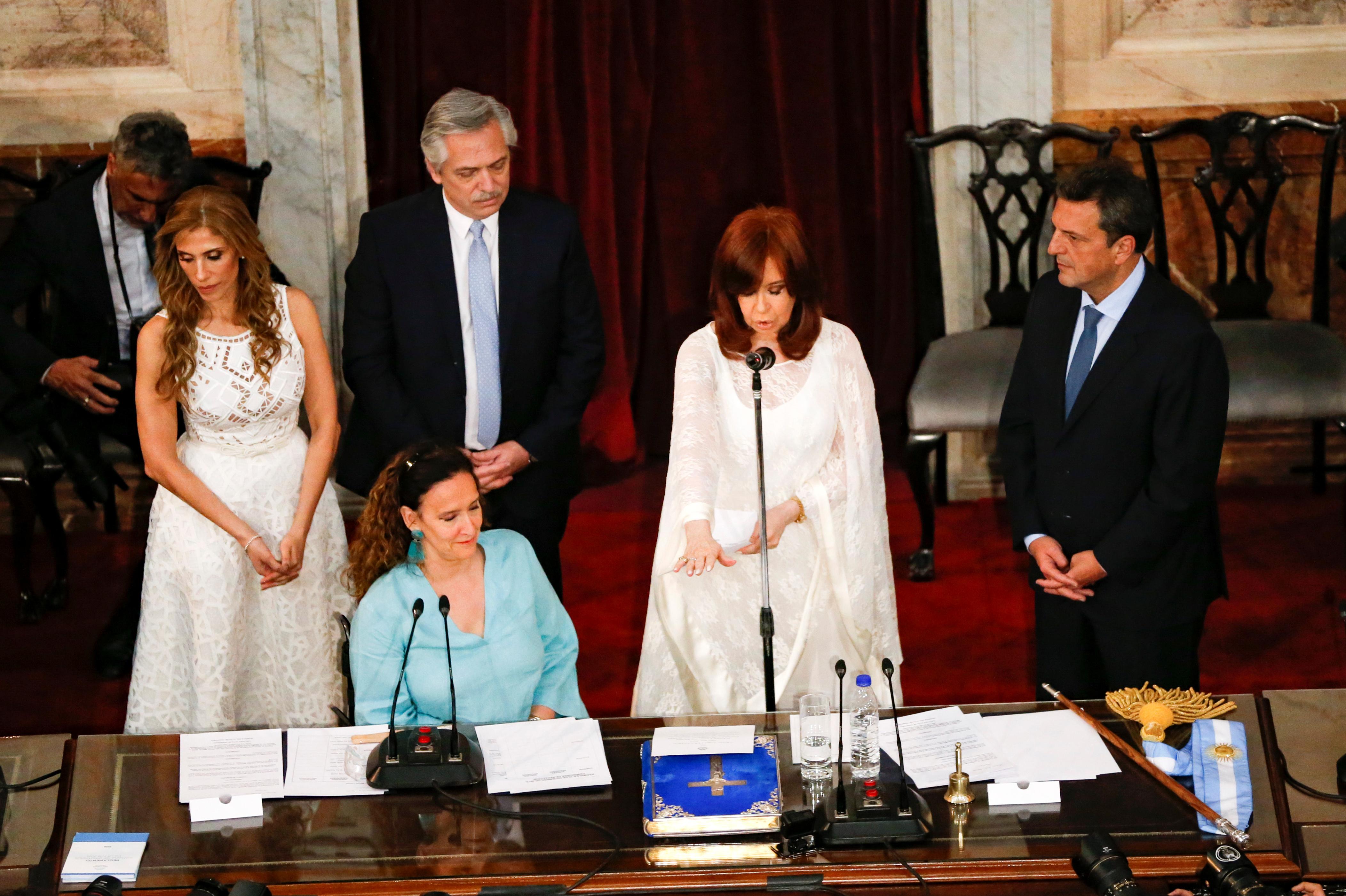 Cristina Kirchner jura como vicepresidenta ante al Asamblea Legislativa