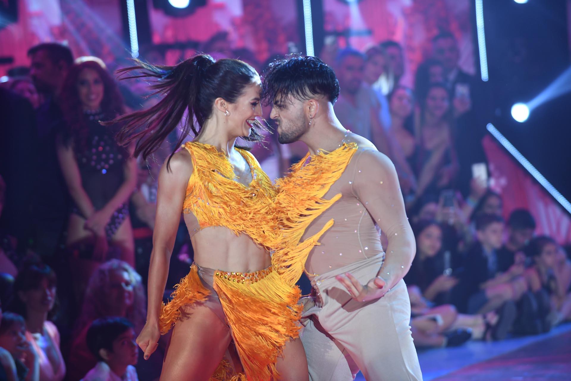 Facu y Flor bailando el Cha Cha Pop (Foto: Negro Luengo / LaFlia)