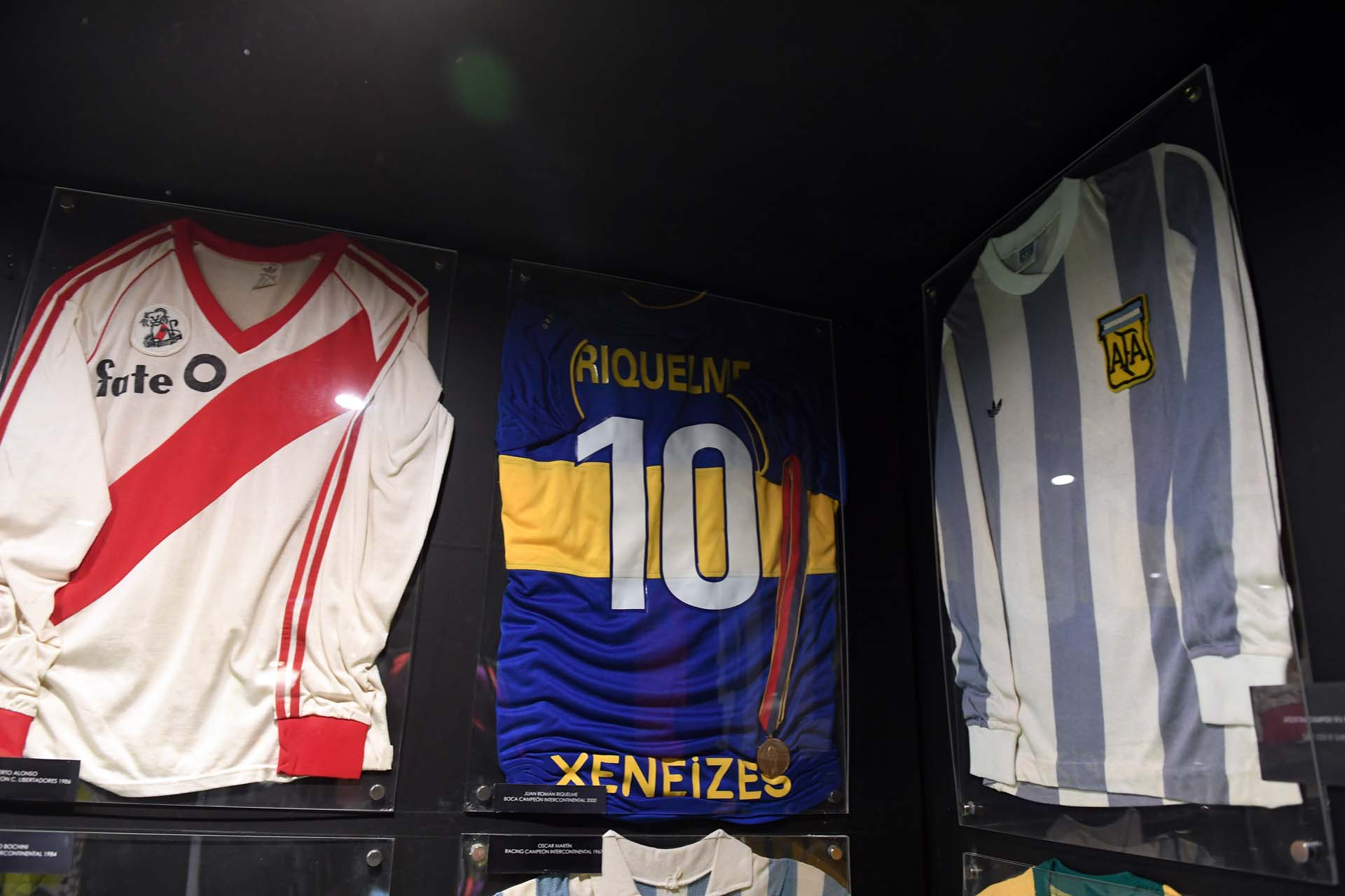 La clásica riverplatense del Leoncito (perteneció al Beto Alonso), la 10 de Riquelme campeón Libertadores 2000 y una de la selección argentina de fines de los 70 (Maximiliano Luna)