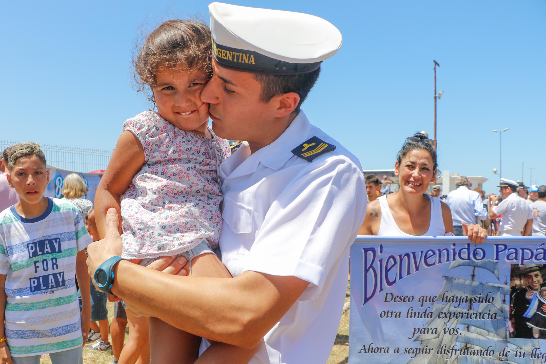 Tiene como misión completar la formación profesional de los guardiamarinas de la Armada Argentina, contribuyendo al incremento de sus conocimientos marítimos e integrándolos a la vida en el mar