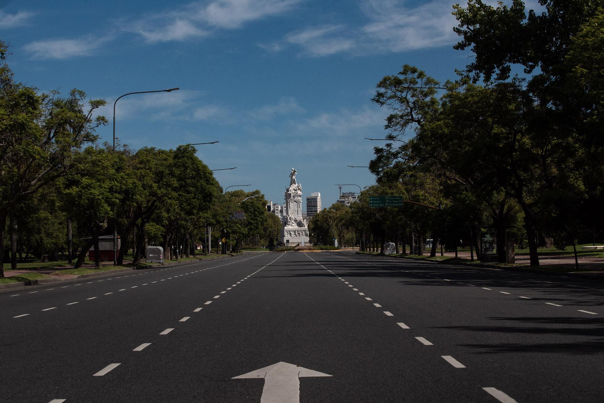 El monumento de los españoles, ubicado en la intersección de la Avenida del Libertador con la avenida General Sarmiento