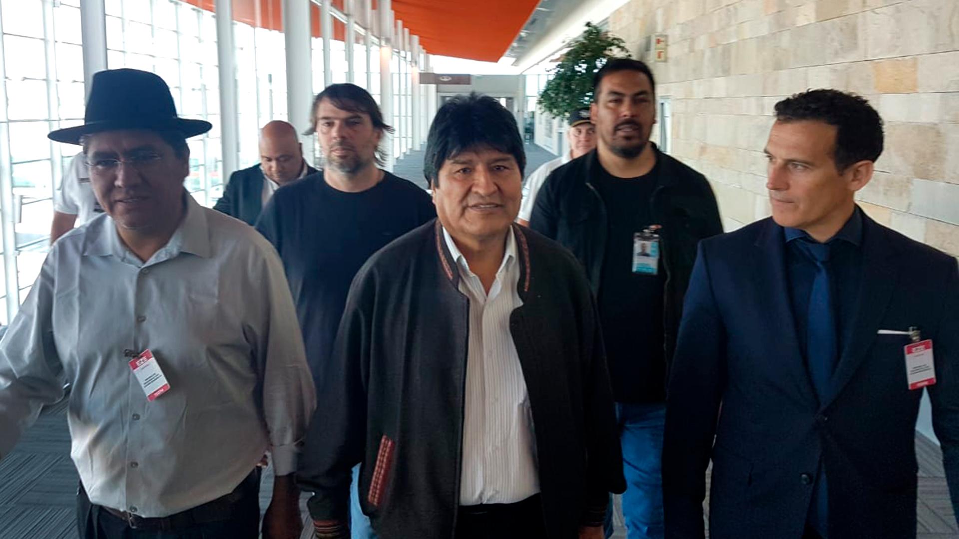 Evo Morales está en la Argentina: vivirá en el país como refugiado político  - Infobae