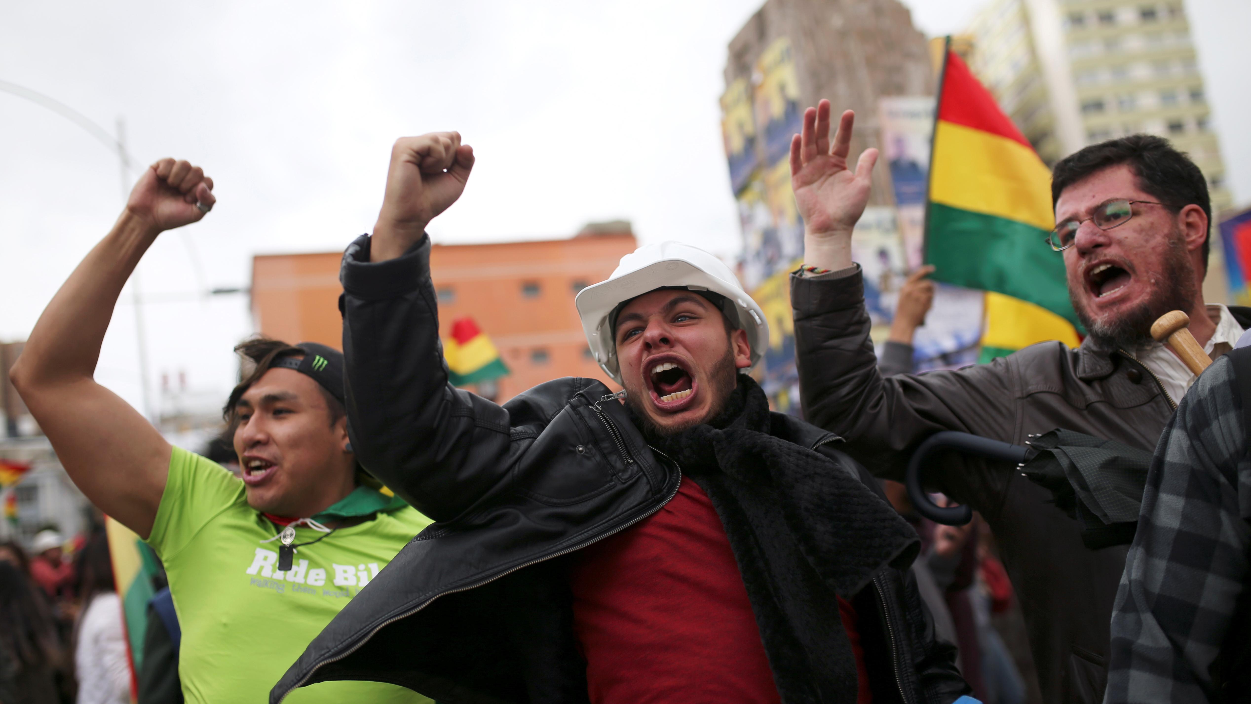 Morales, de 60 años y quien asumió en 2006, enfrentó tres semanas de protestas en las calles contra su reelección en las cuestionadas elecciones del 20 de octubre