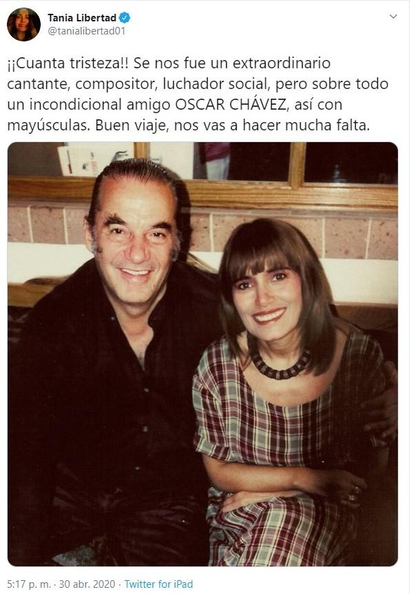 Tania Libertad compartió el escenario en distintas ocasiones con Óscar Chavez (Foto: Twitter@tanialibertad01)