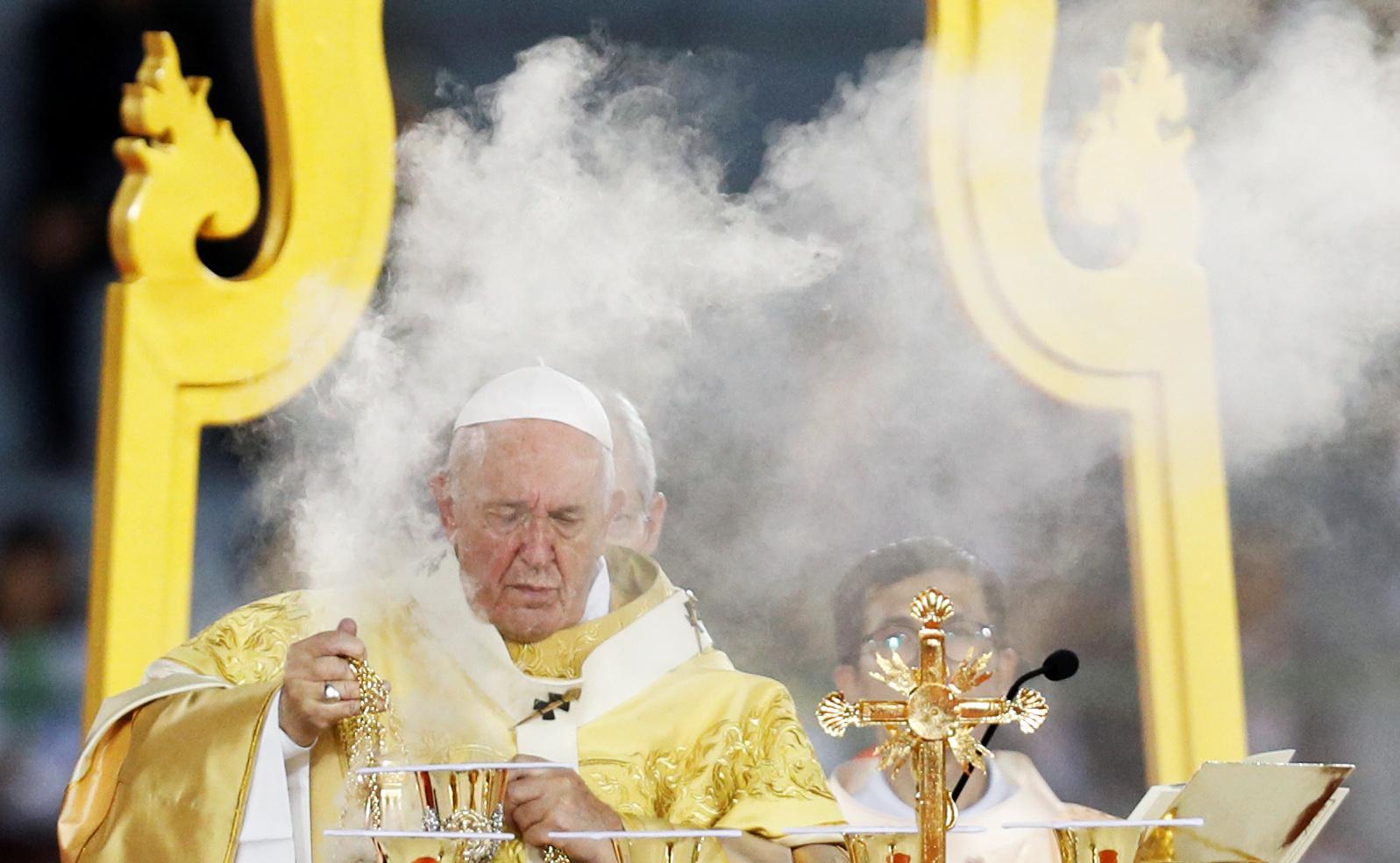El Papa Francisco dirige la Santa Misa en el Estadio Nacional de Bangkok, Tailandia, el 21 de noviembre de 2019. (REUTERS / Soe Zeya Tun)