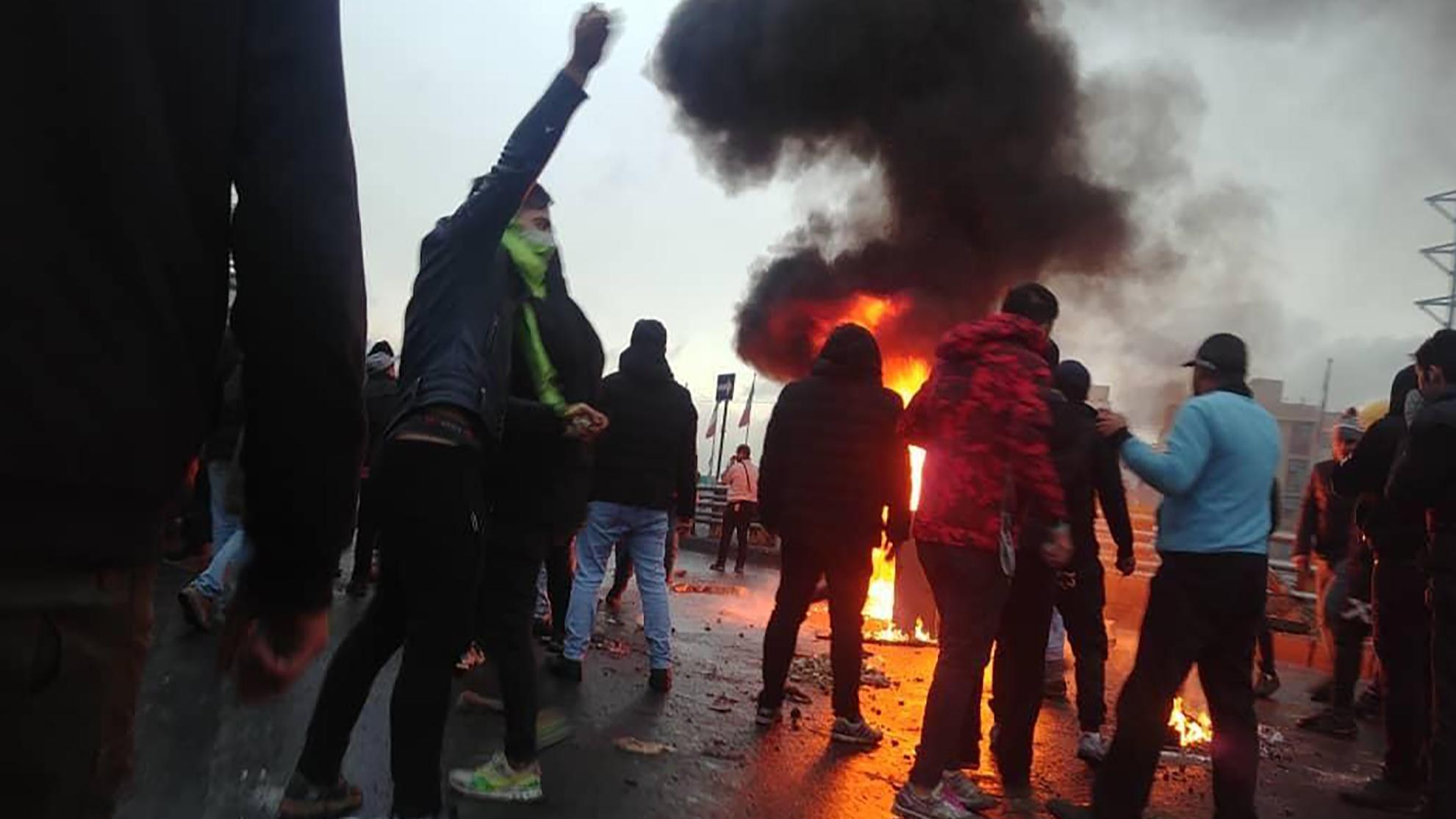 Resultado de imagen para Amnistía Internacional denuncia 304 muertes en protestas en Irán