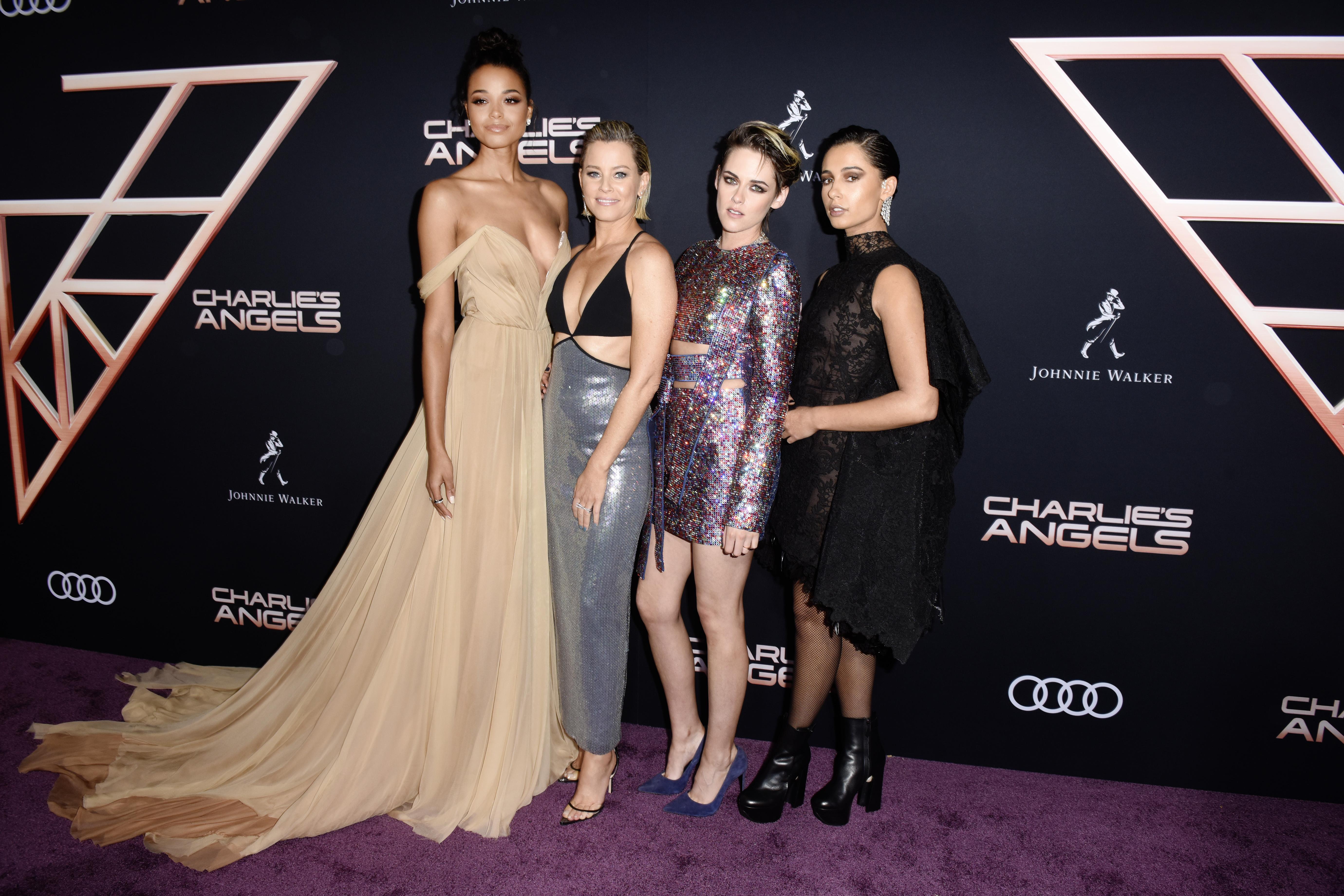 Ella Balinska, Director Elizabeth Banks, Kristen Stewart y Naomi Scott (Foto: Vivien Killilea/Getty Images for Audi/AFP)