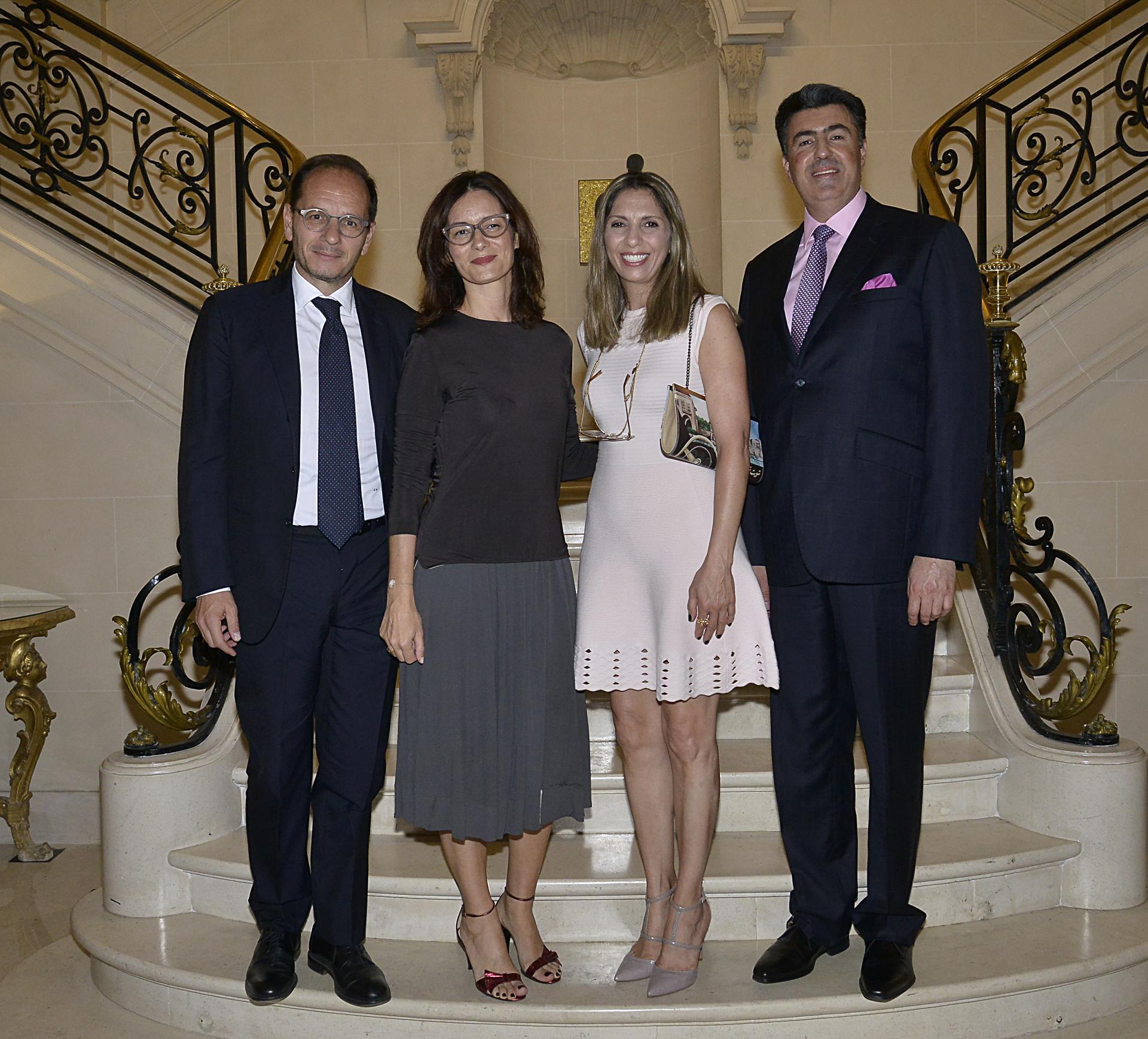 El embajador de Italia Giuseppe Manzo y el embajador del Líbano, Johnny Ibrahim, y sus esposas