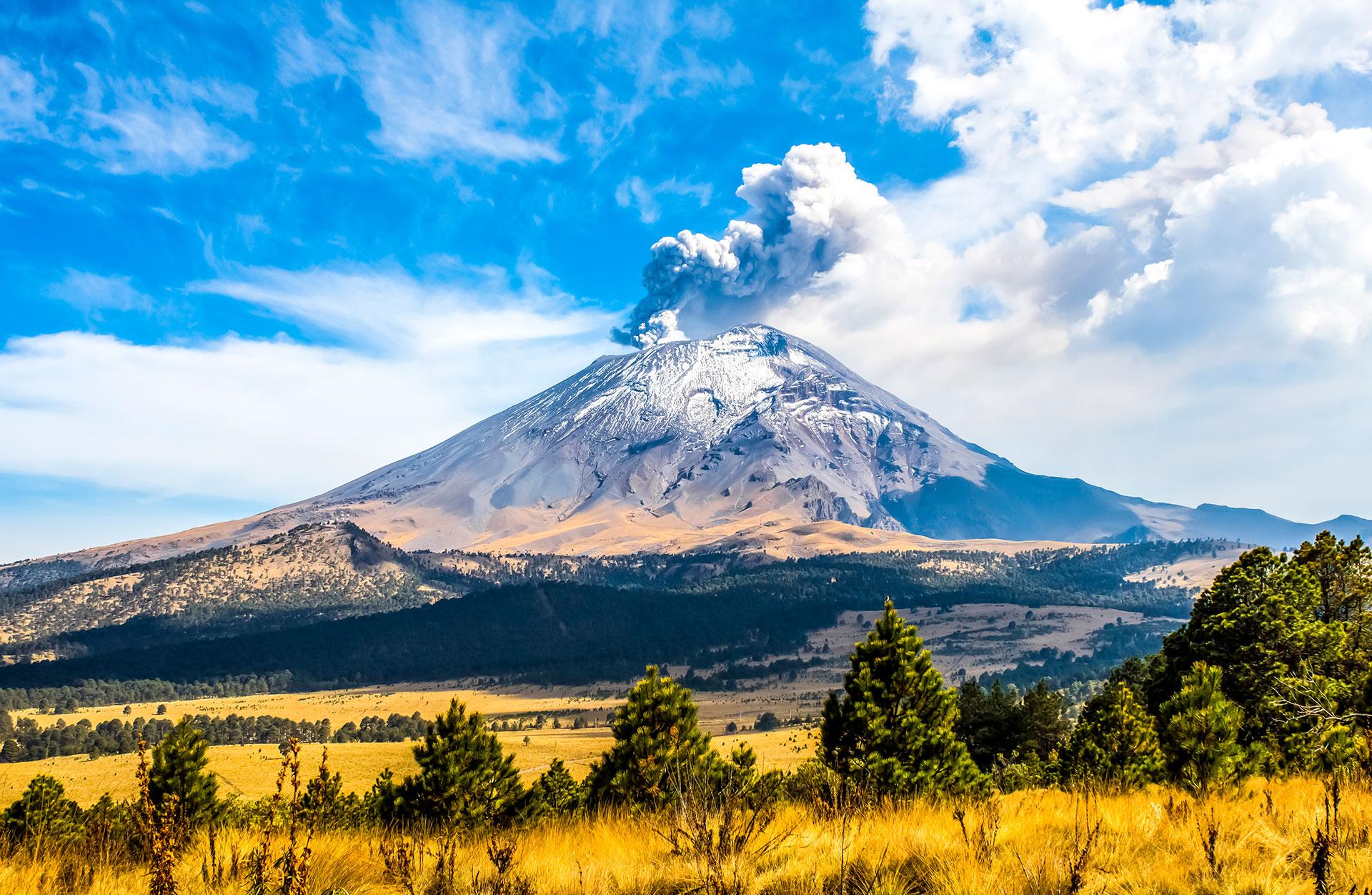 Es solo uno de los más de 20 volcanes distribuidos por la geografía del país azteca
