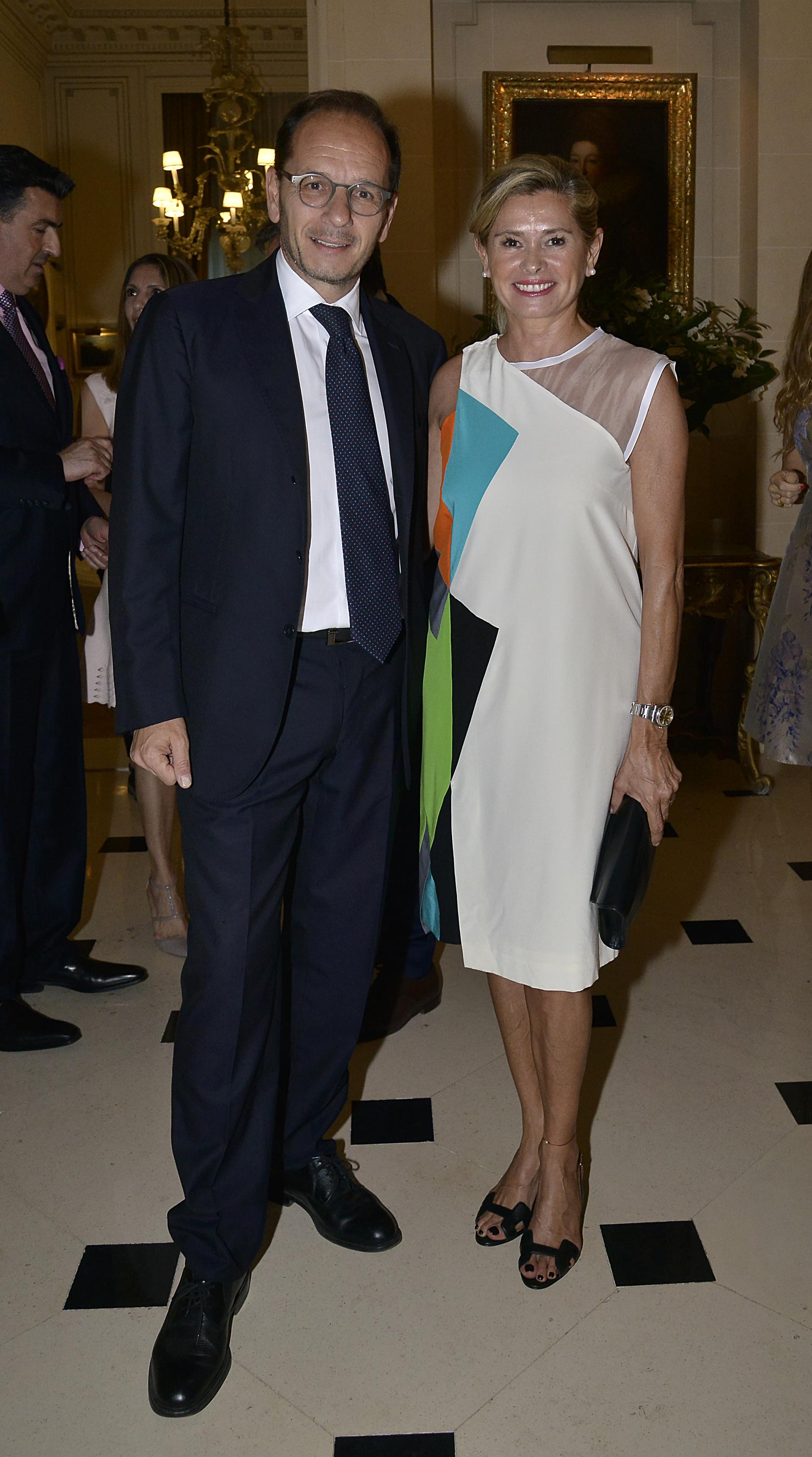 El embajador Giuseppe Manzo y la ex senadora nacional, María Laura Leguizamón