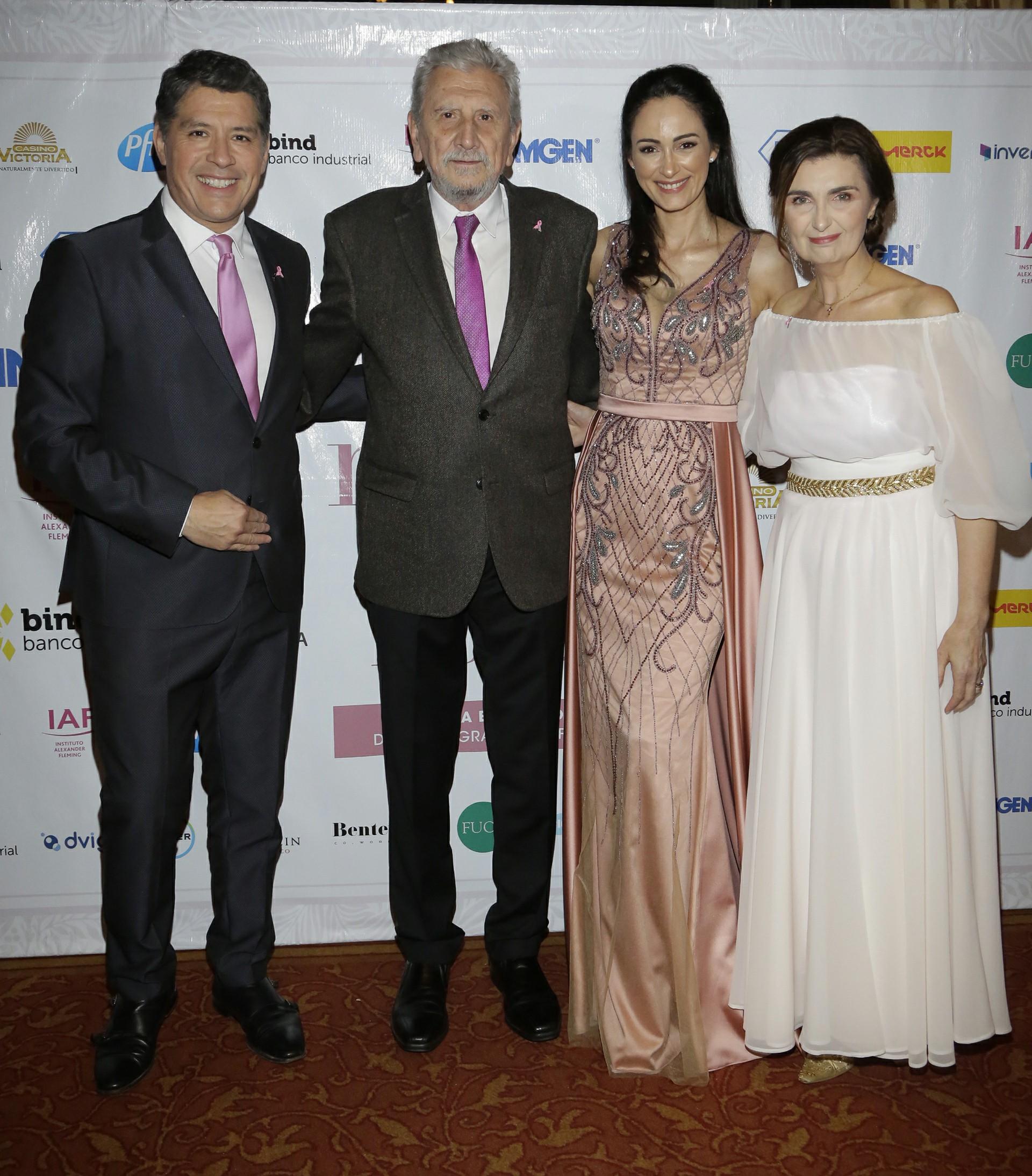 Guillermo Lobo, Reinaldo Chacón Gabriela Sobrado y Gabriela Berta