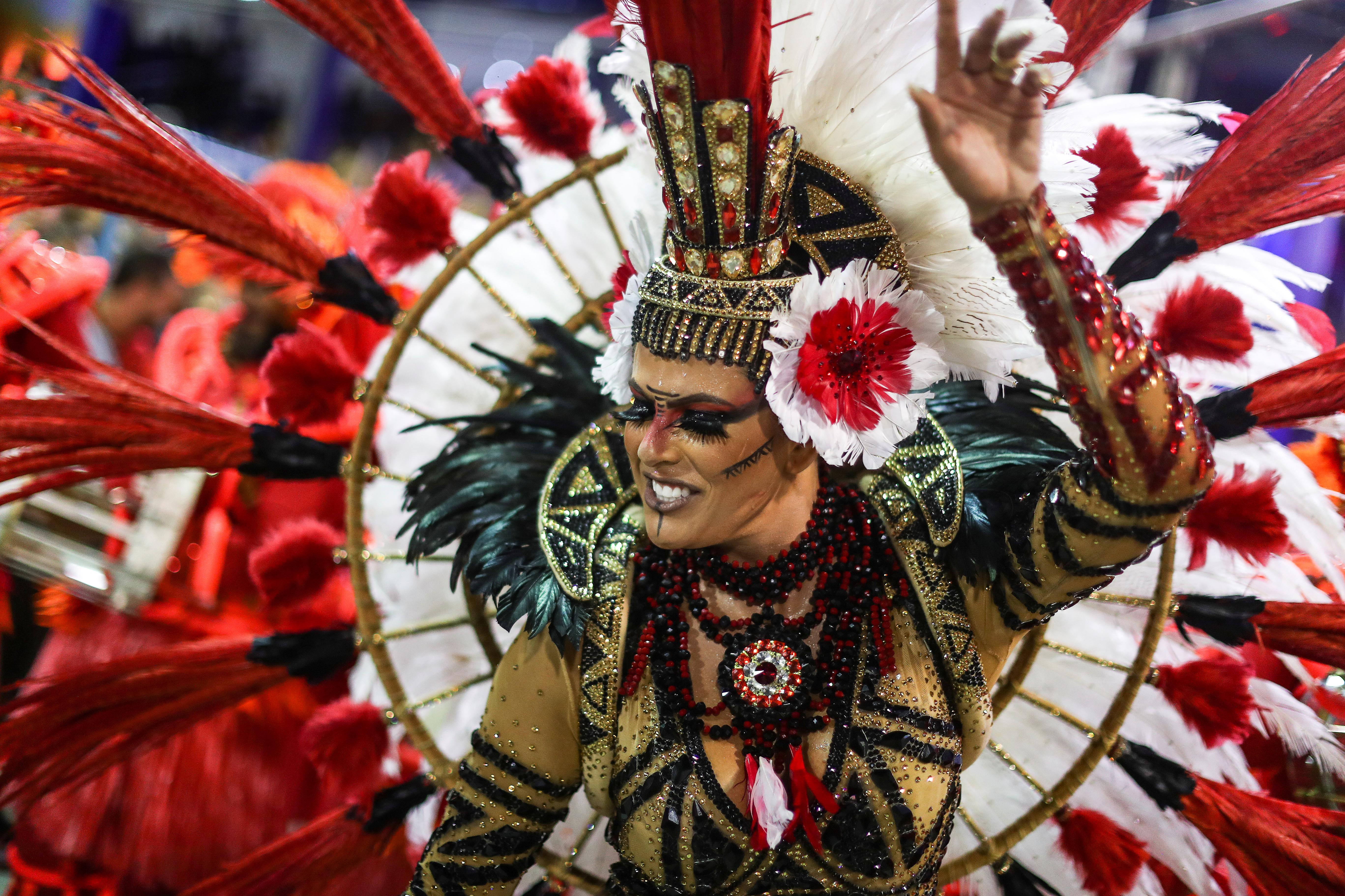 La reina Jack Maia de la escuela Estacio de Sa REUTERS/Ricardo Moraes