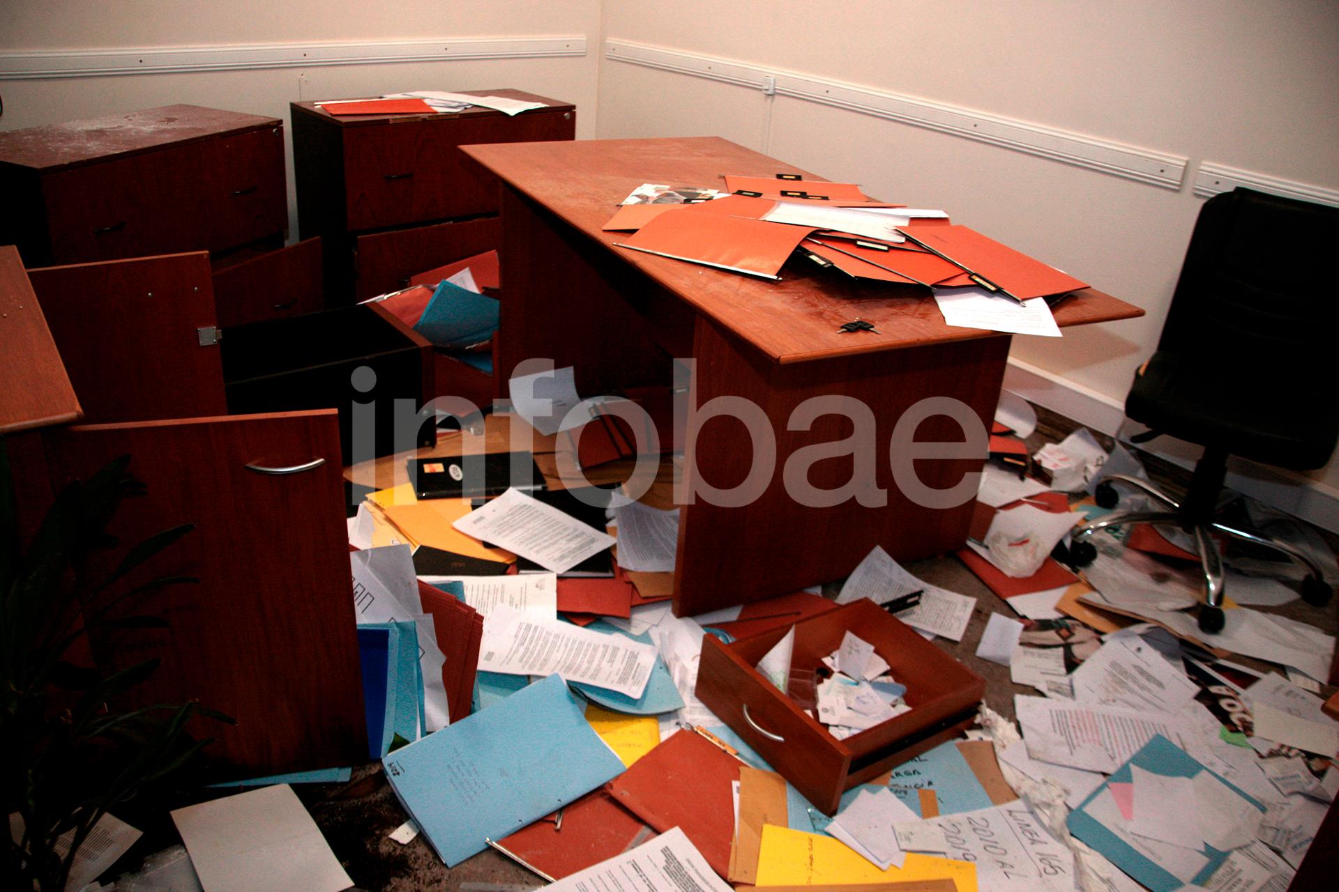 Una de las oficinas administrativas del gremio: los opositores a Fernández tomaron por asalto el edificio y provocaron serios destrozos en el mobiliario.