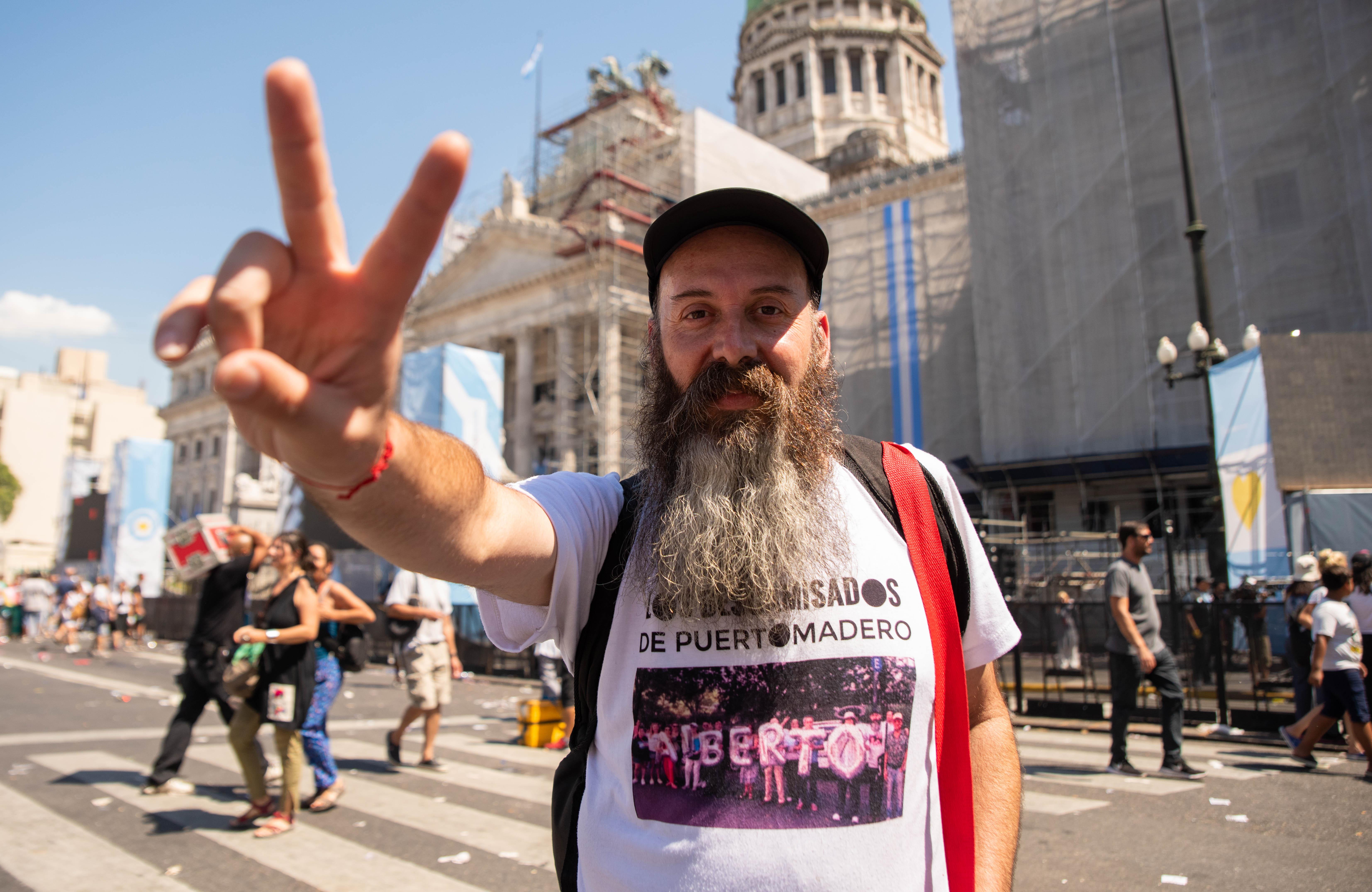 La militancia peronista se hizo presente en las calles aledañas al Congreso