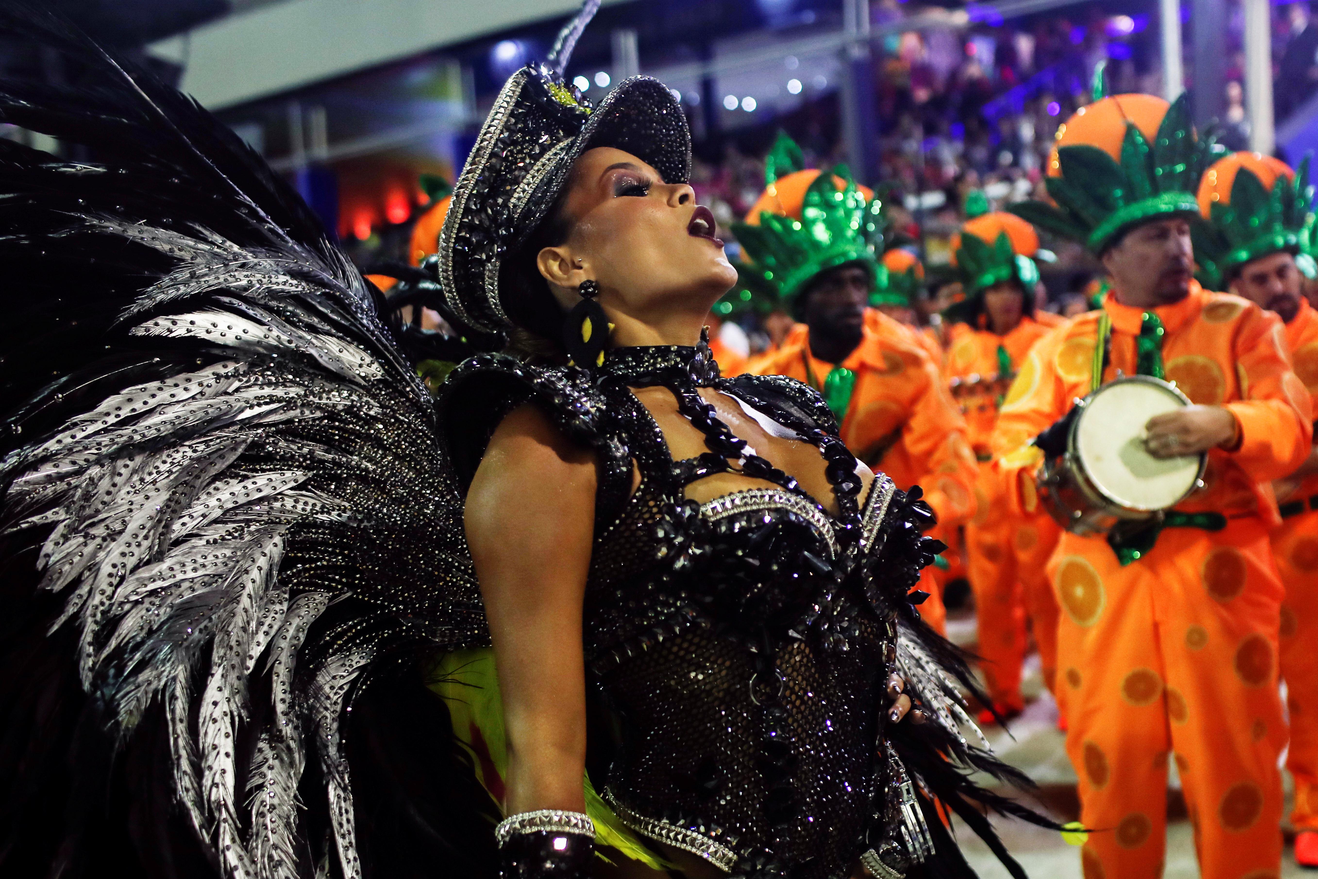 Raphaela Gomes de Sao Clemente samba school r REUTERS/Ricardo Moraes