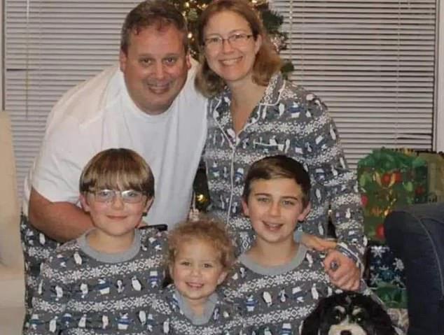 Un hombre confesó haber matado a su esposa, sus tres hijos y el perro en  una comunidad de Disney World en Florida - Infobae