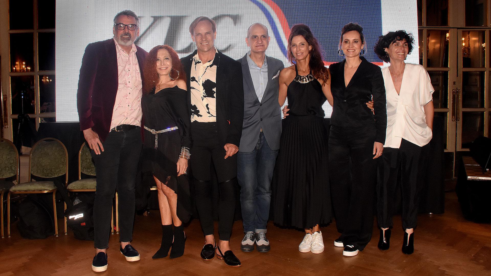 Maureene Dinar, Laurencio Adot junto a Thiago Pinheiro, Benito Fernández, Mariana Dappiano, Anna Rossatti y S-Mode presentaron sus nuevas colecciones en un gran evento