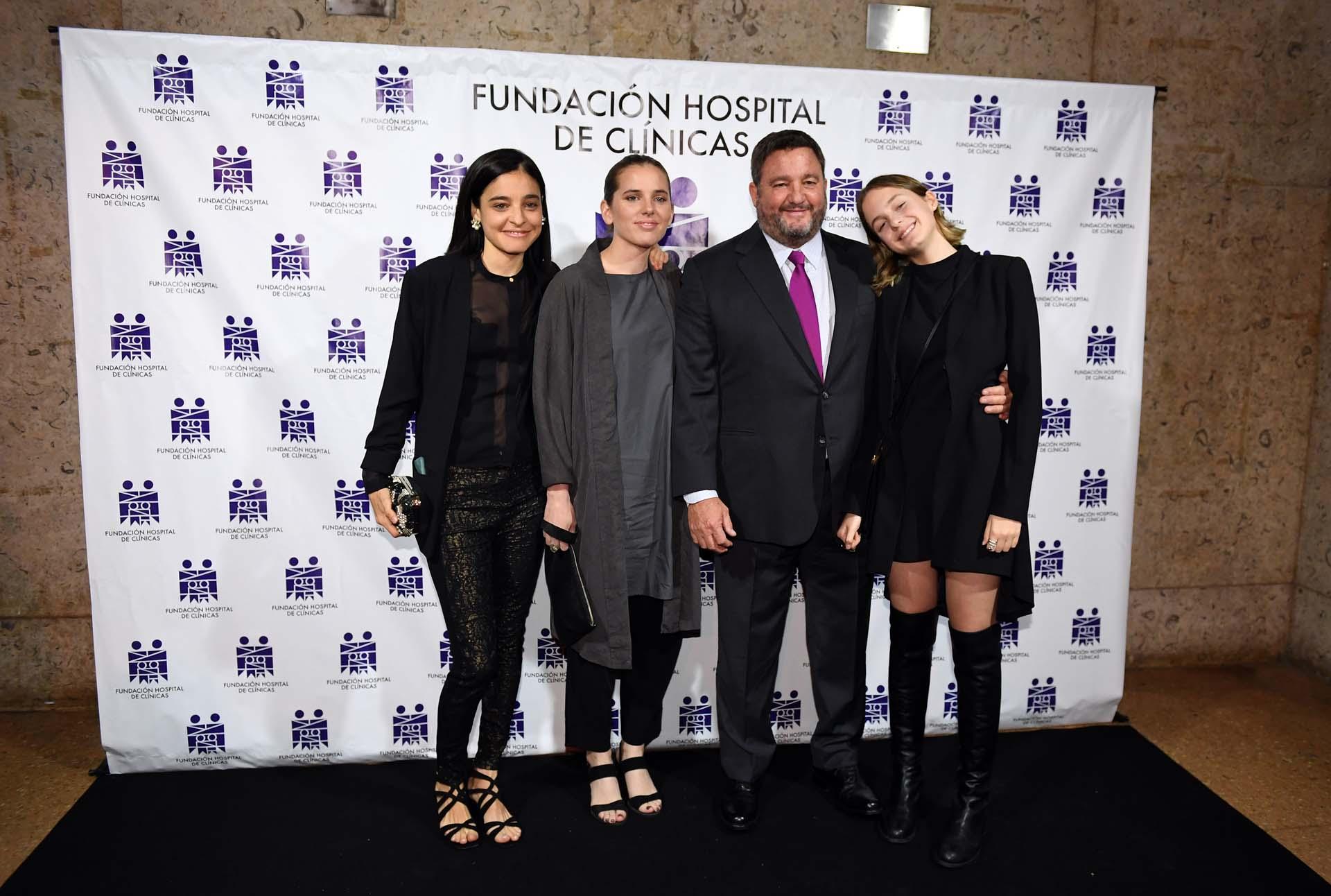 Elena Bordeu, Milagros Cubelli, Alejandro Macfarlane y su hija Jazmín
