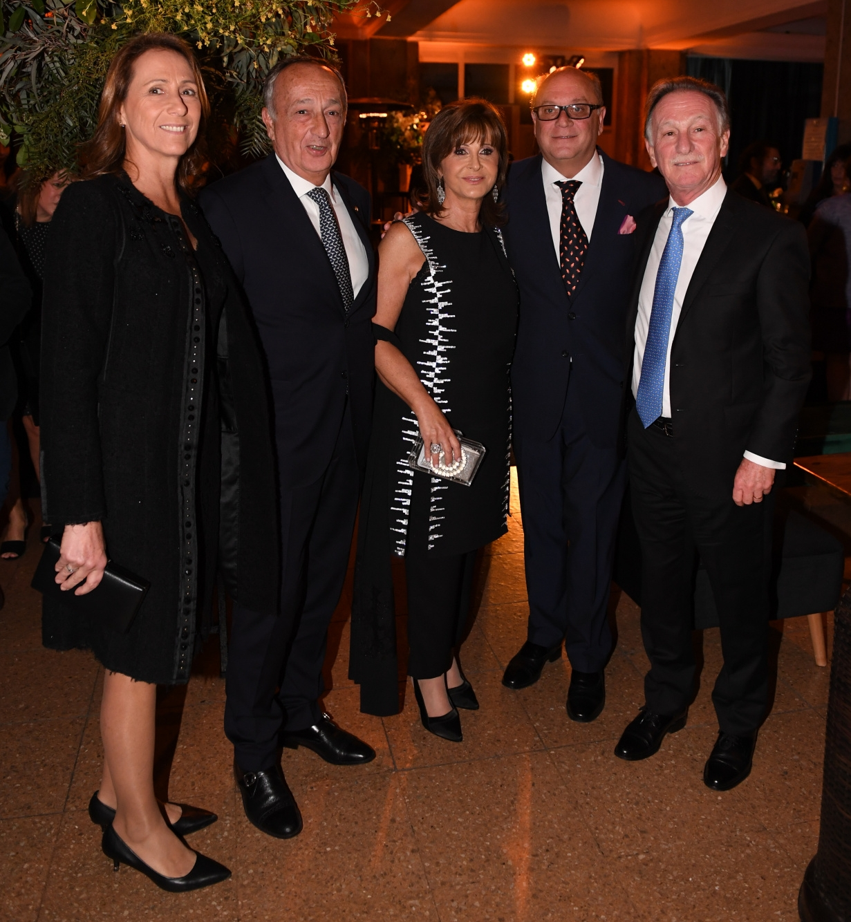 Miguel Acevedo y su mujer junto a Myriam Levi, Martín Cabrales y Gustavo Weiss