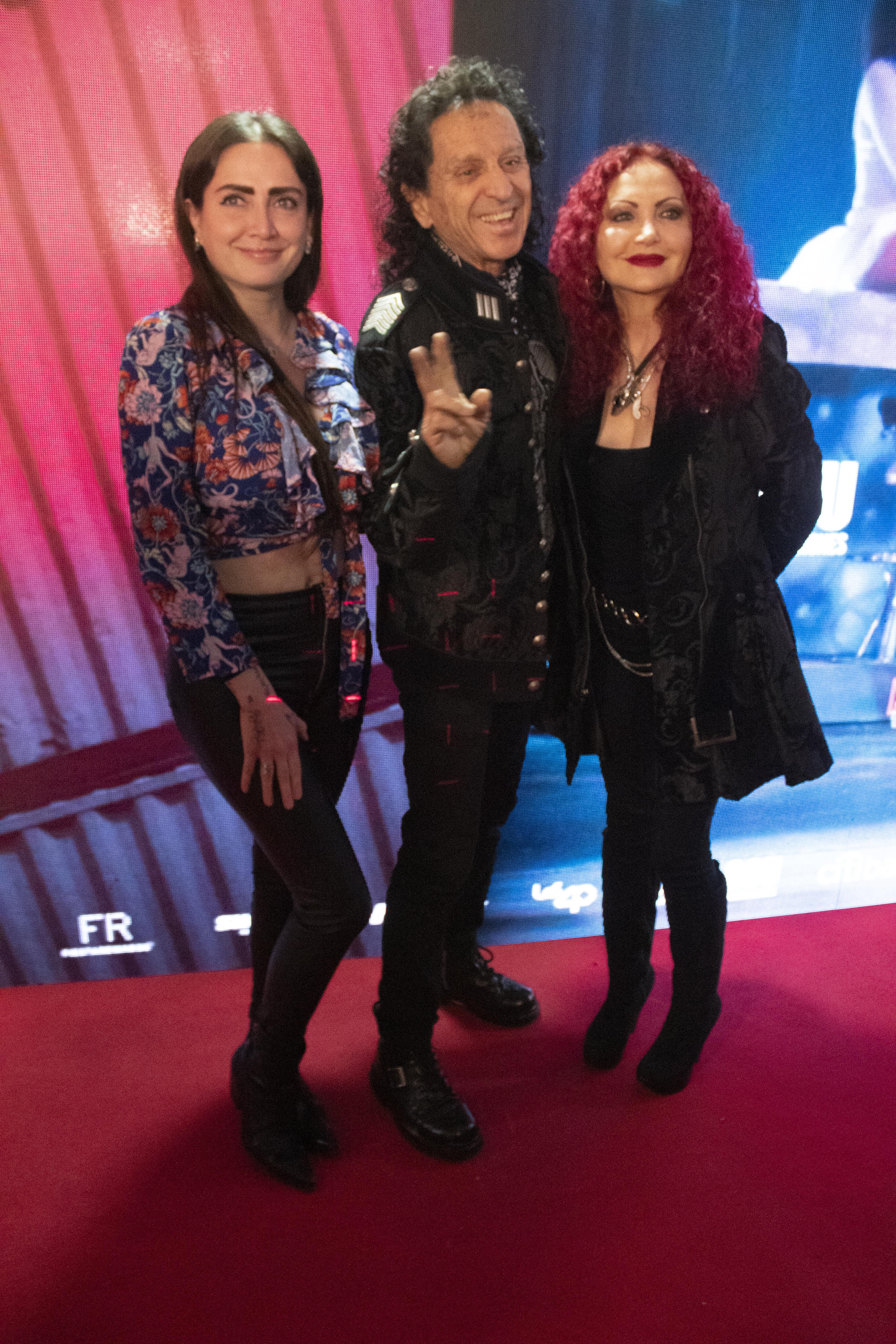 Celia Lora, Álex Lora y Chela Lora.