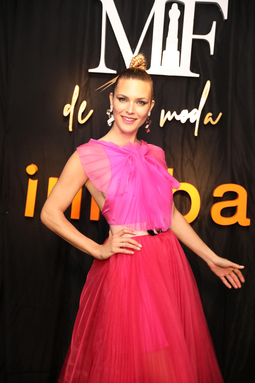 Pia Slapka espléndida con un vestido de Fabián Zitta