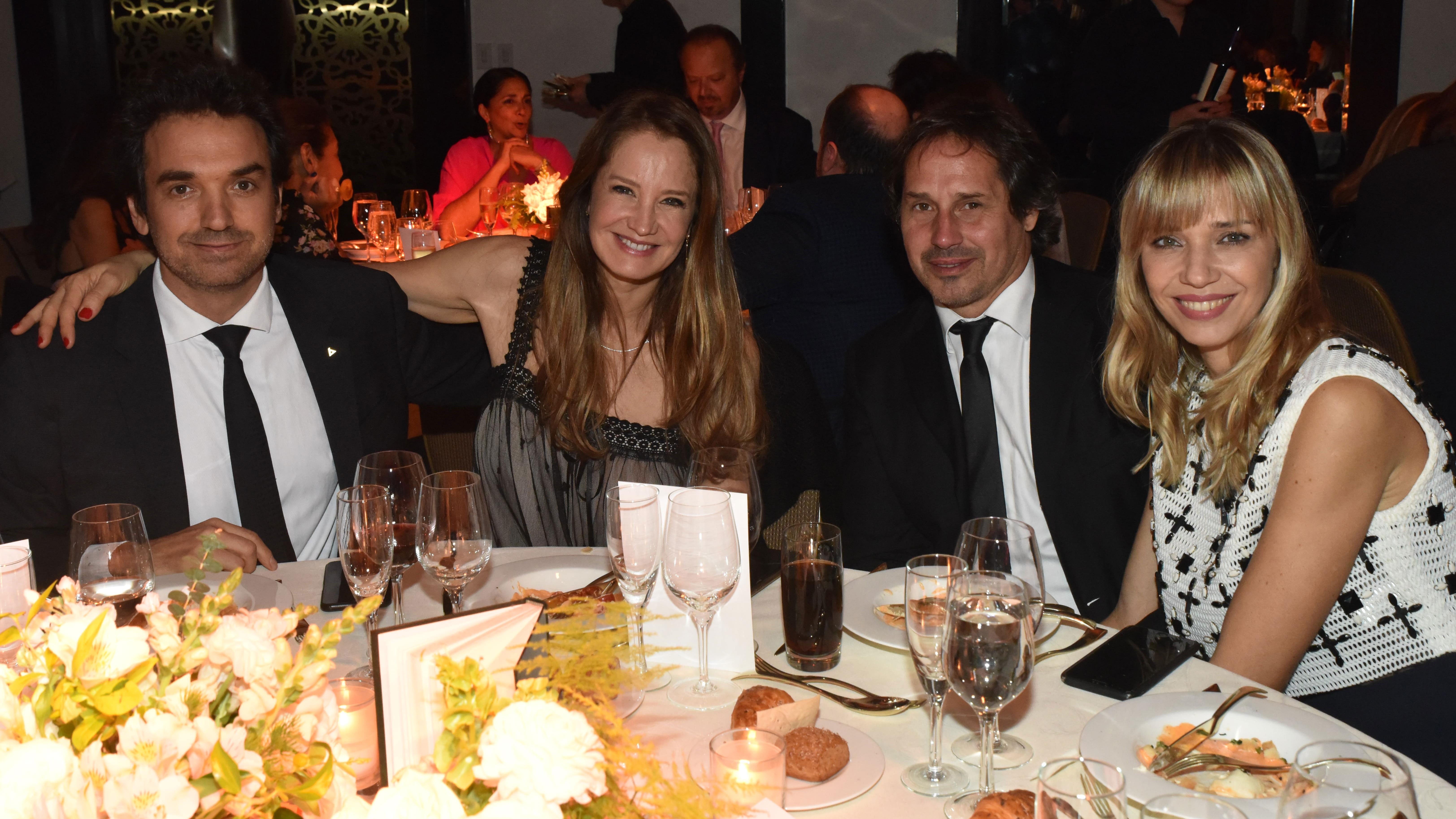 Sebastián Bagó y su mujer, Roxana Zarecki, junto a Lorena Ceriscioli y Juan Pablo Ramognino