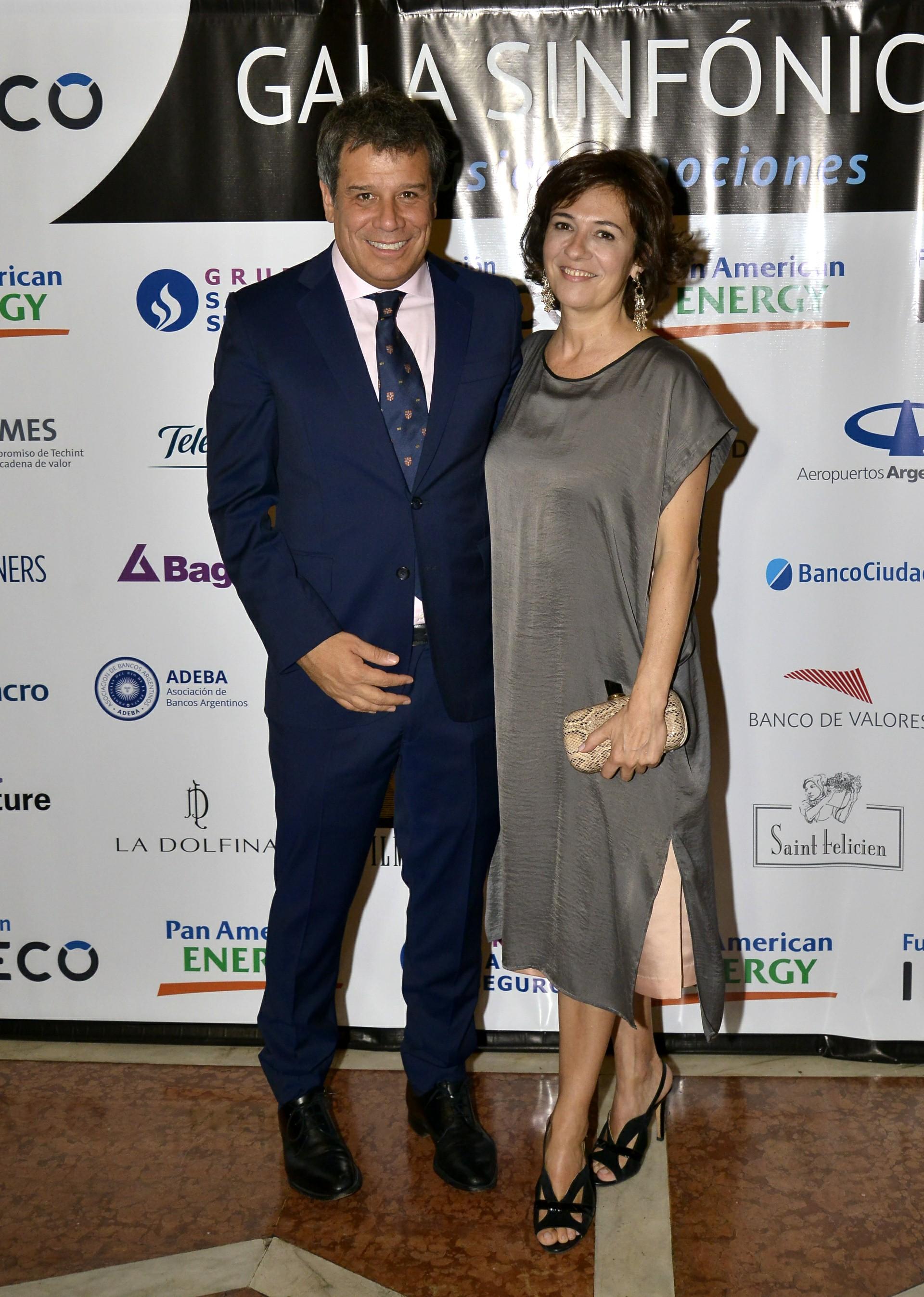 Facundo Manes y su mujer Josefina. La Gala Sinfónica se llevó a cabo a total beneficio de los laboratorios de investigación en neurociencias